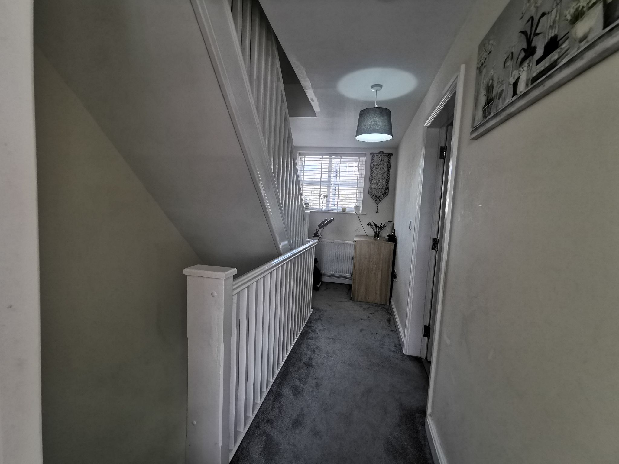 3 bedroom end terraced house For Sale in Bradford - Photograph 9.