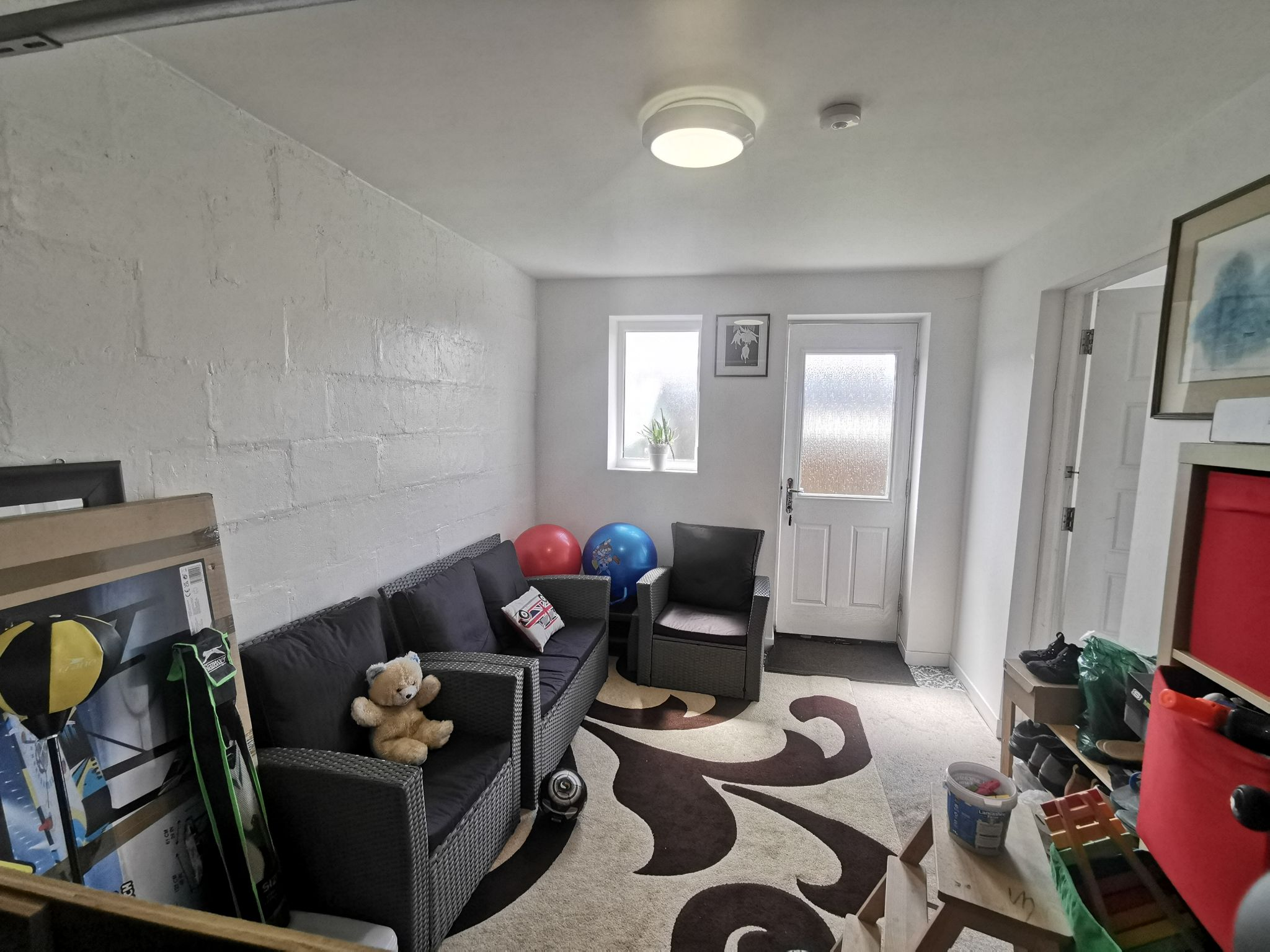 3 bedroom end terraced house For Sale in Bradford - Photograph 4.