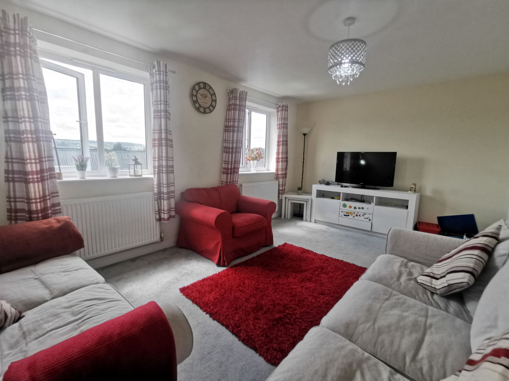3 bedroom end terraced house For Sale in Bradford - Photograph 2.