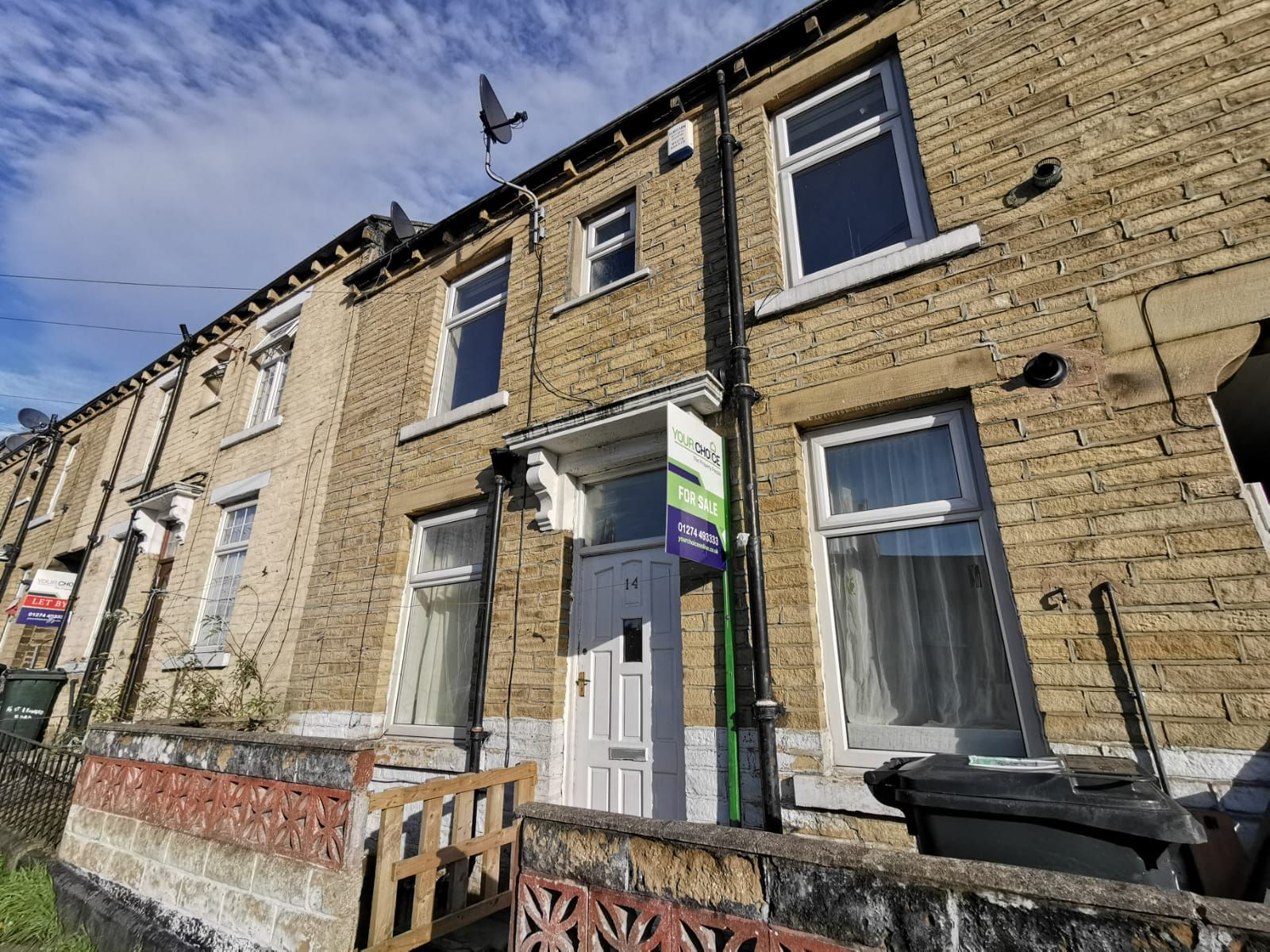 2 bedroom mid terraced house Sold in Bradford - Photograph 1.