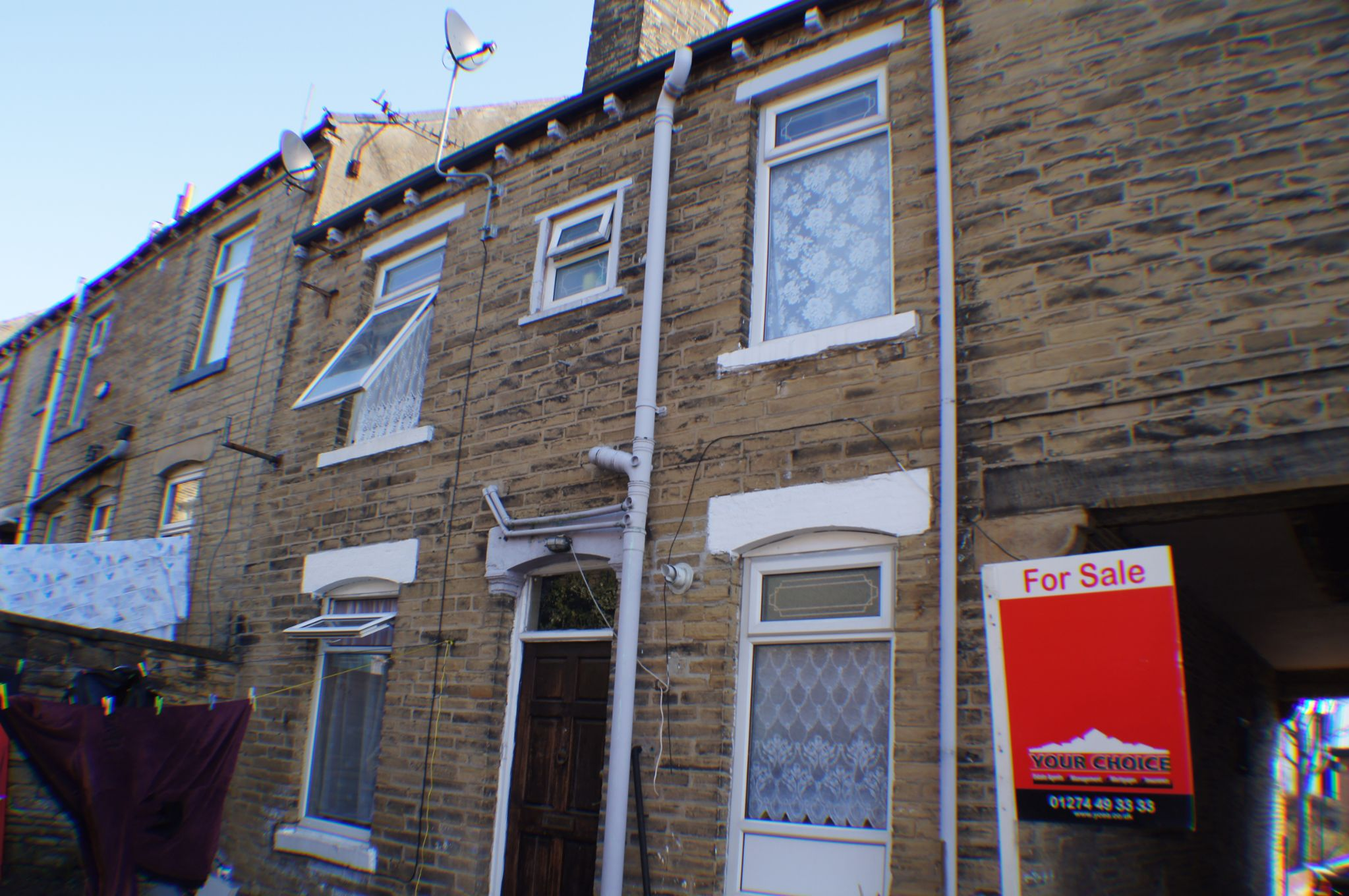 2 bedroom mid terraced house Sold in Bradford - Photograph 6.