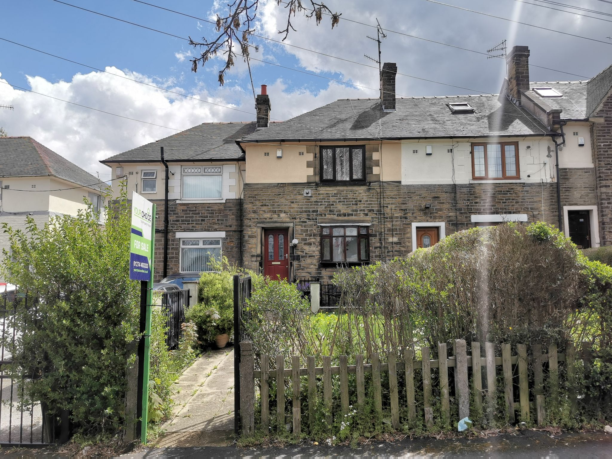 2 bedroom mid terraced house For Sale in Bradford - Photograph 1.