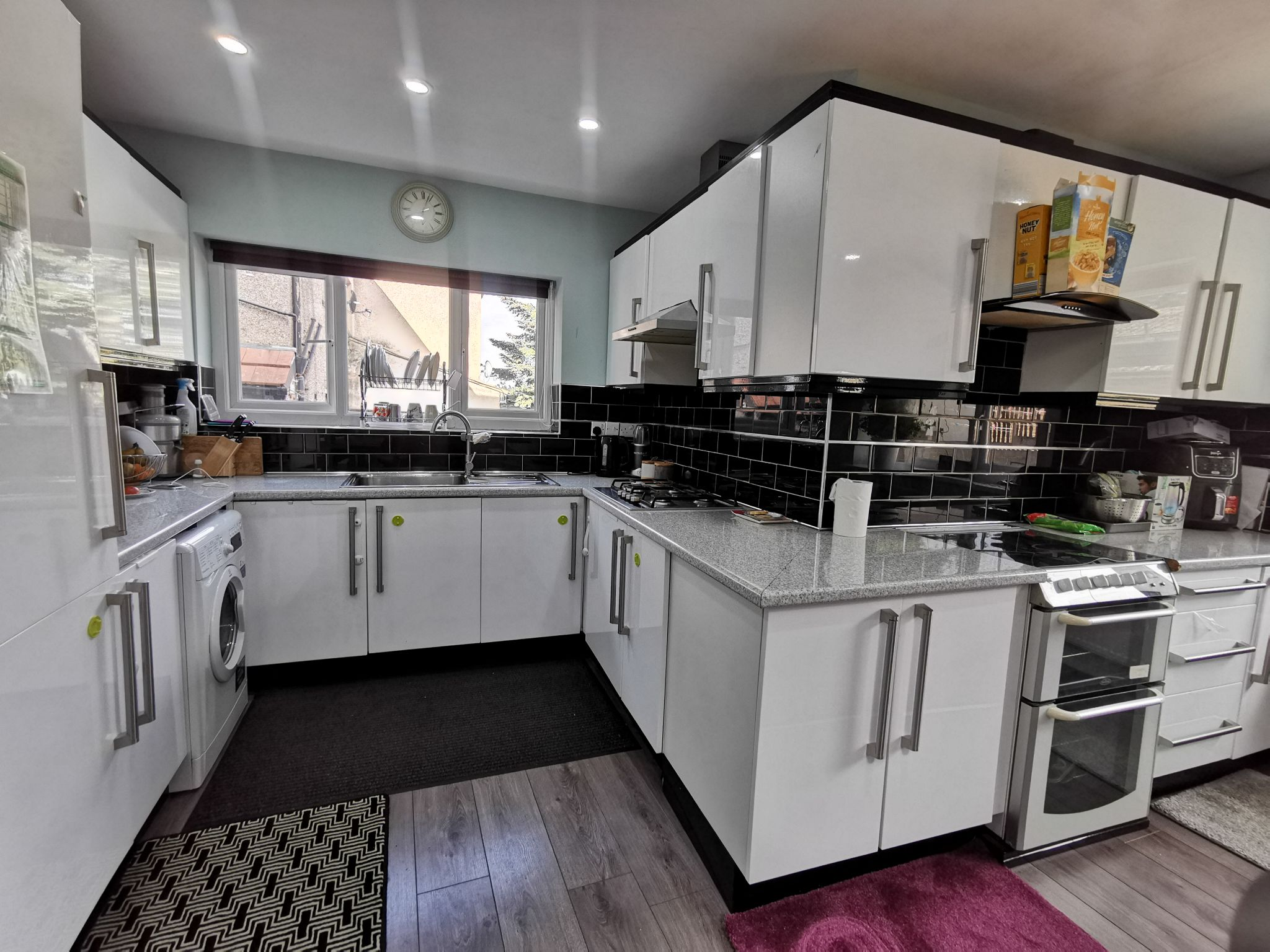 4 bedroom semi-detached house SSTC in Bradford - Photograph 4.