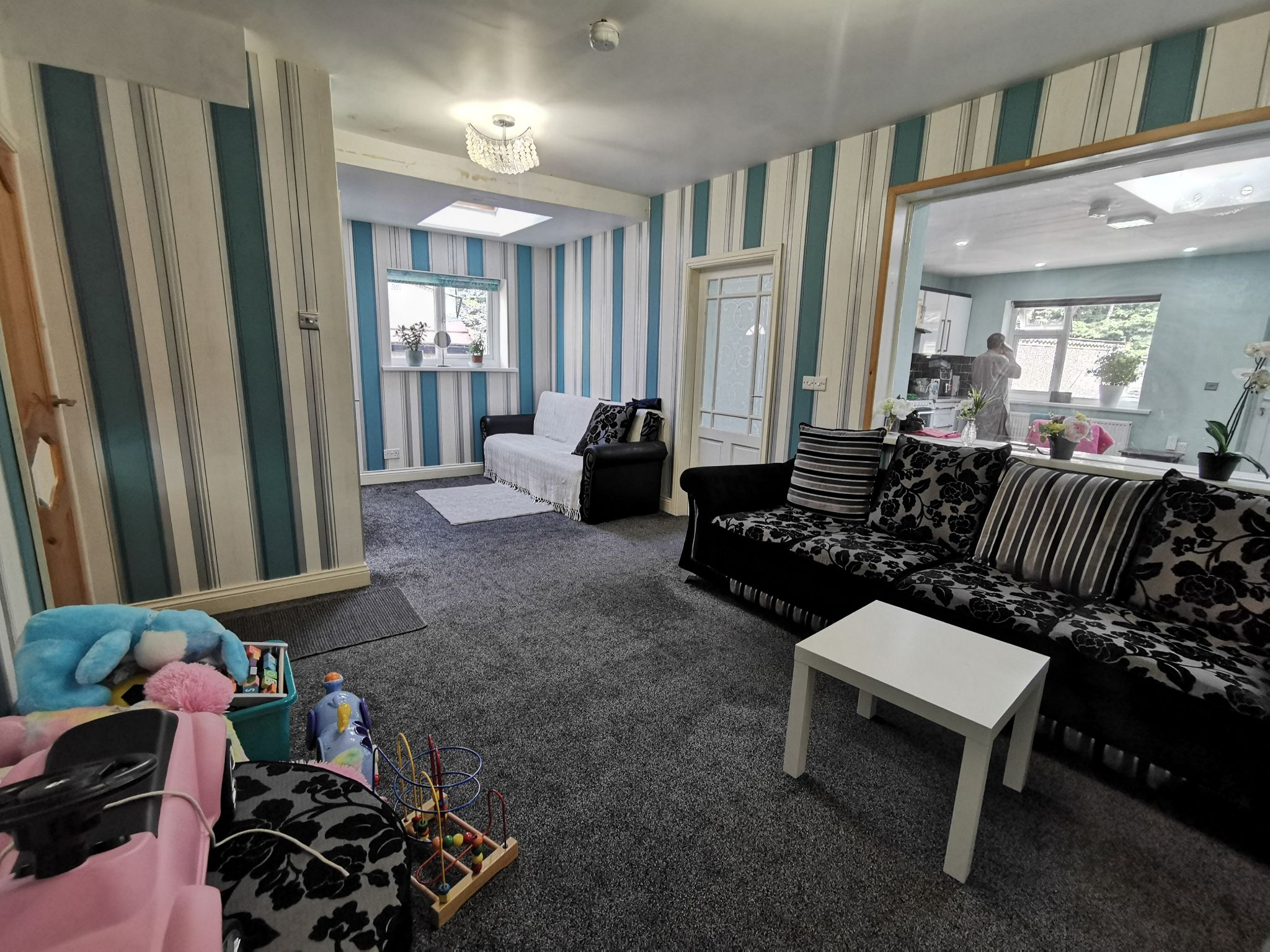 4 bedroom semi-detached house SSTC in Bradford - Photograph 7.