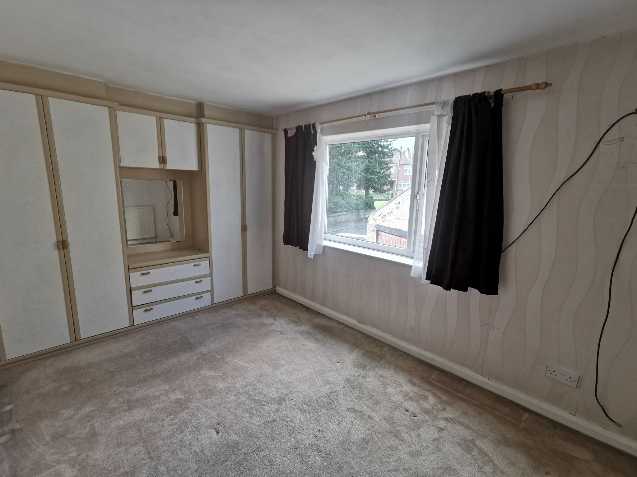 3 bedroom detached house For Sale in Bradford - Photograph 10.