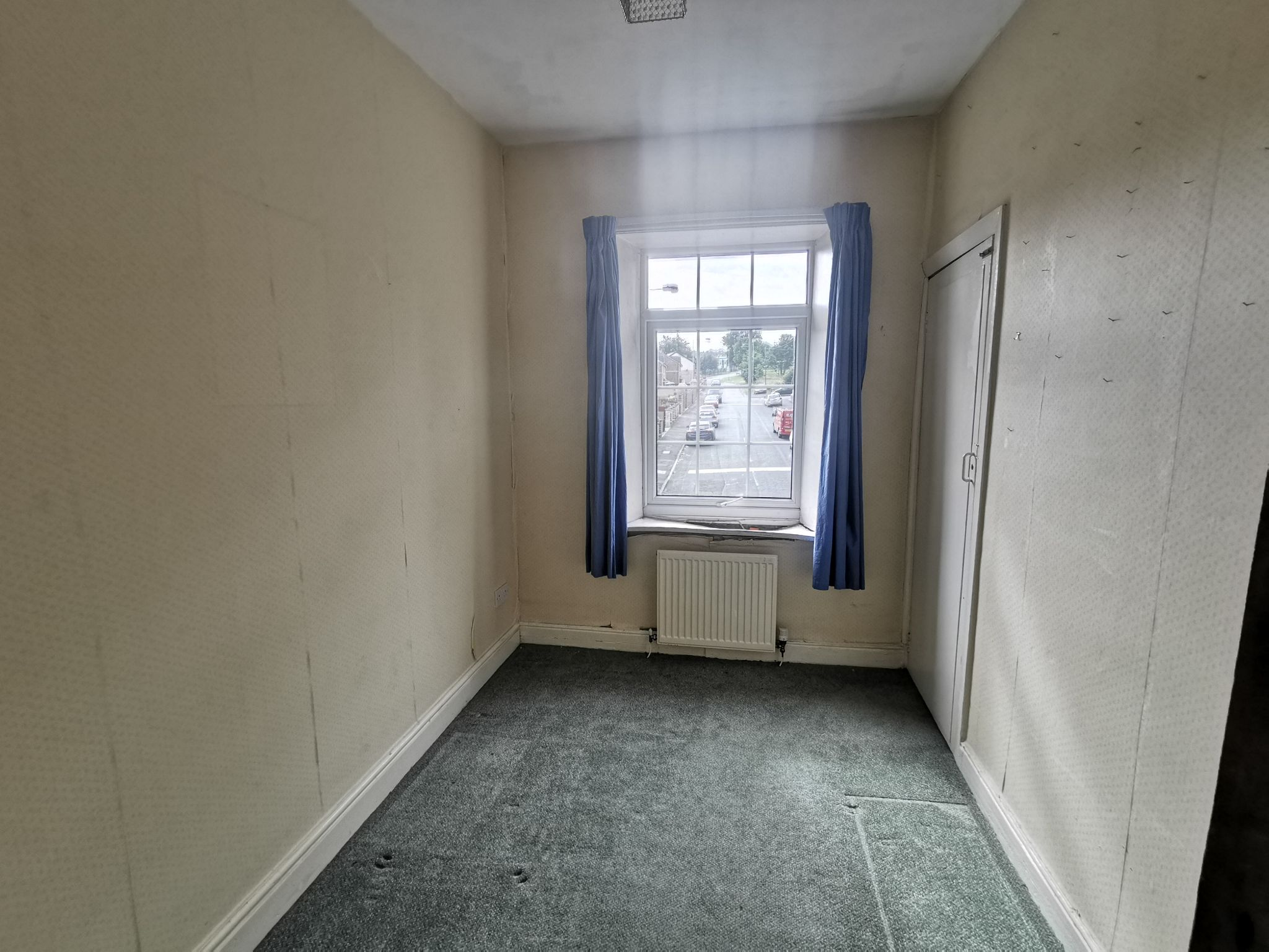 3 bedroom detached house For Sale in Bradford - Photograph 13.
