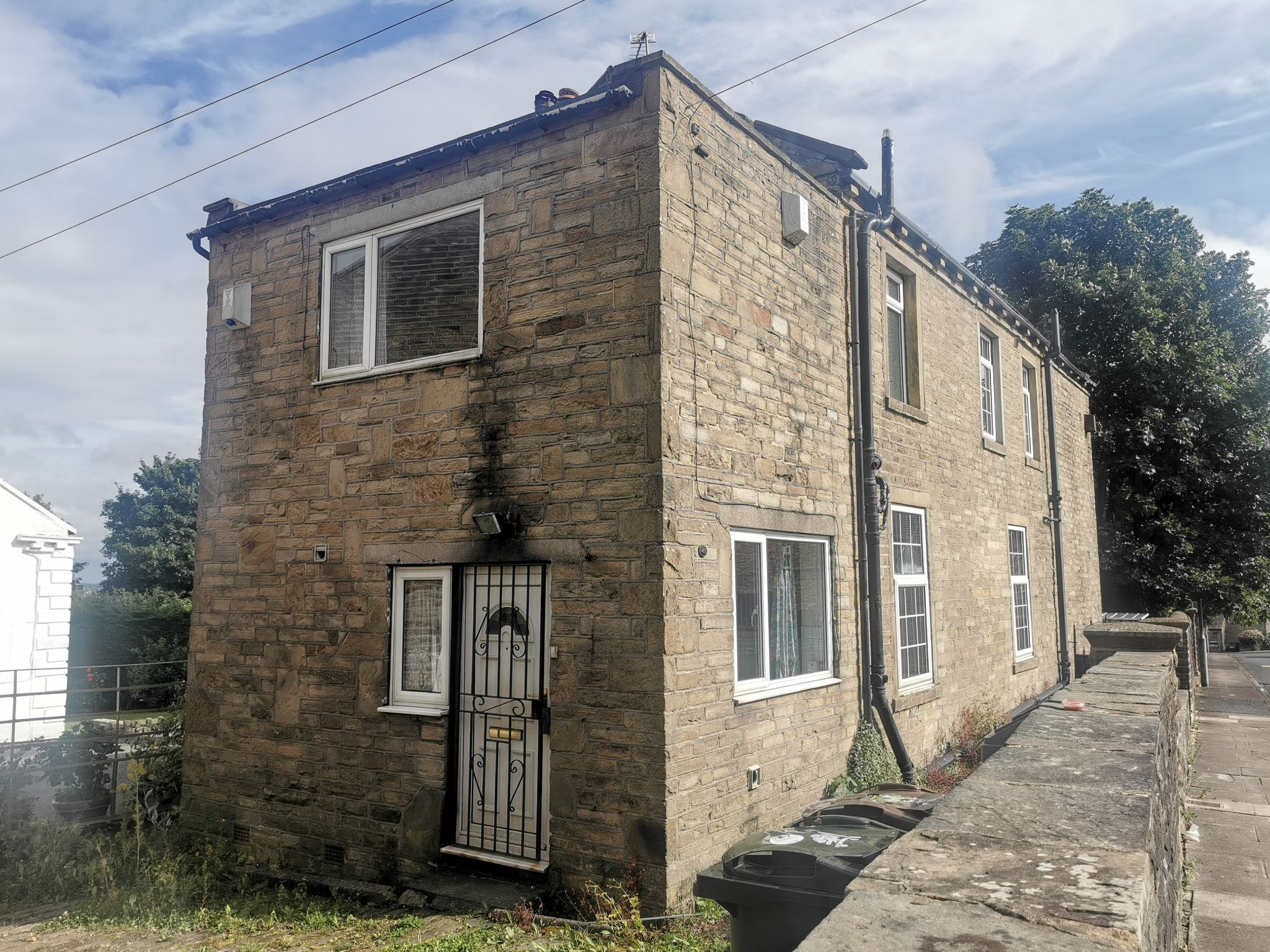 3 bedroom detached house For Sale in Bradford - Photograph 21.