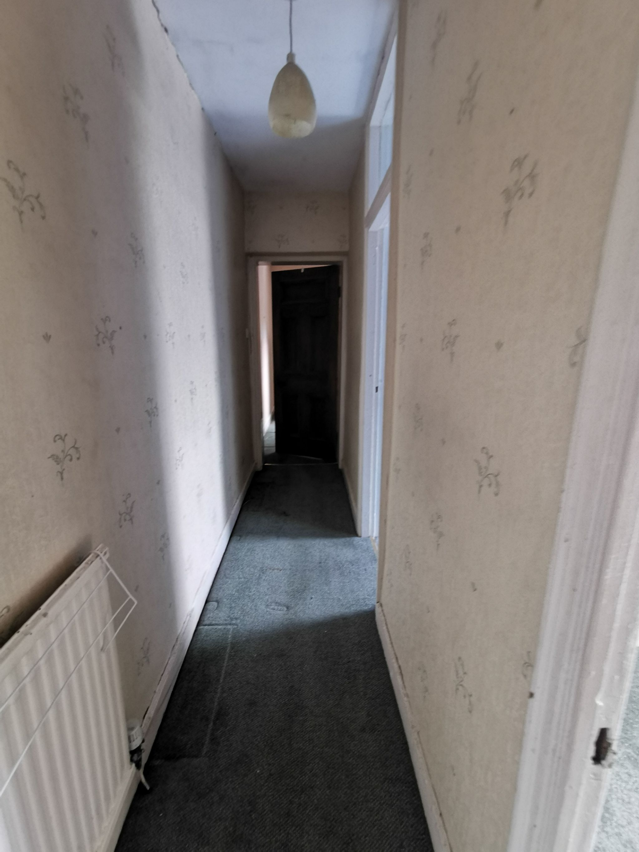 3 bedroom detached house For Sale in Bradford - Photograph 7.
