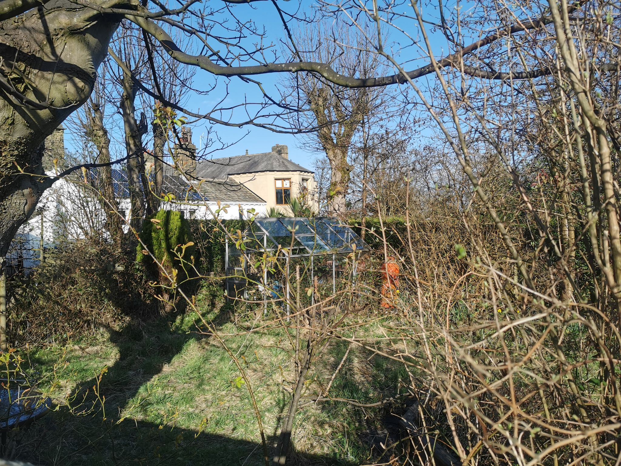 3 bedroom detached house For Sale in Bradford - Photograph 4.
