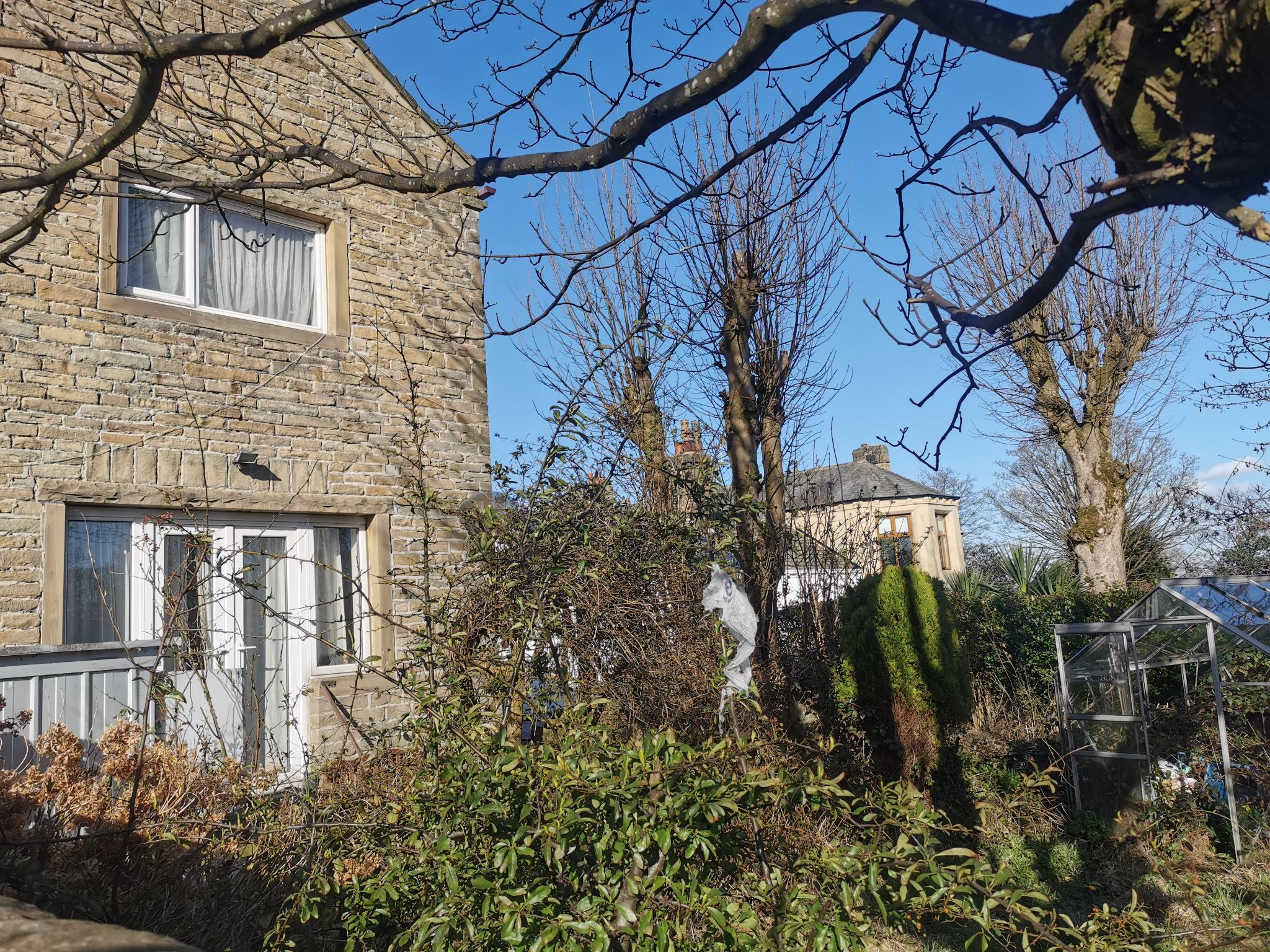 3 bedroom detached house For Sale in Bradford - Photograph 3.