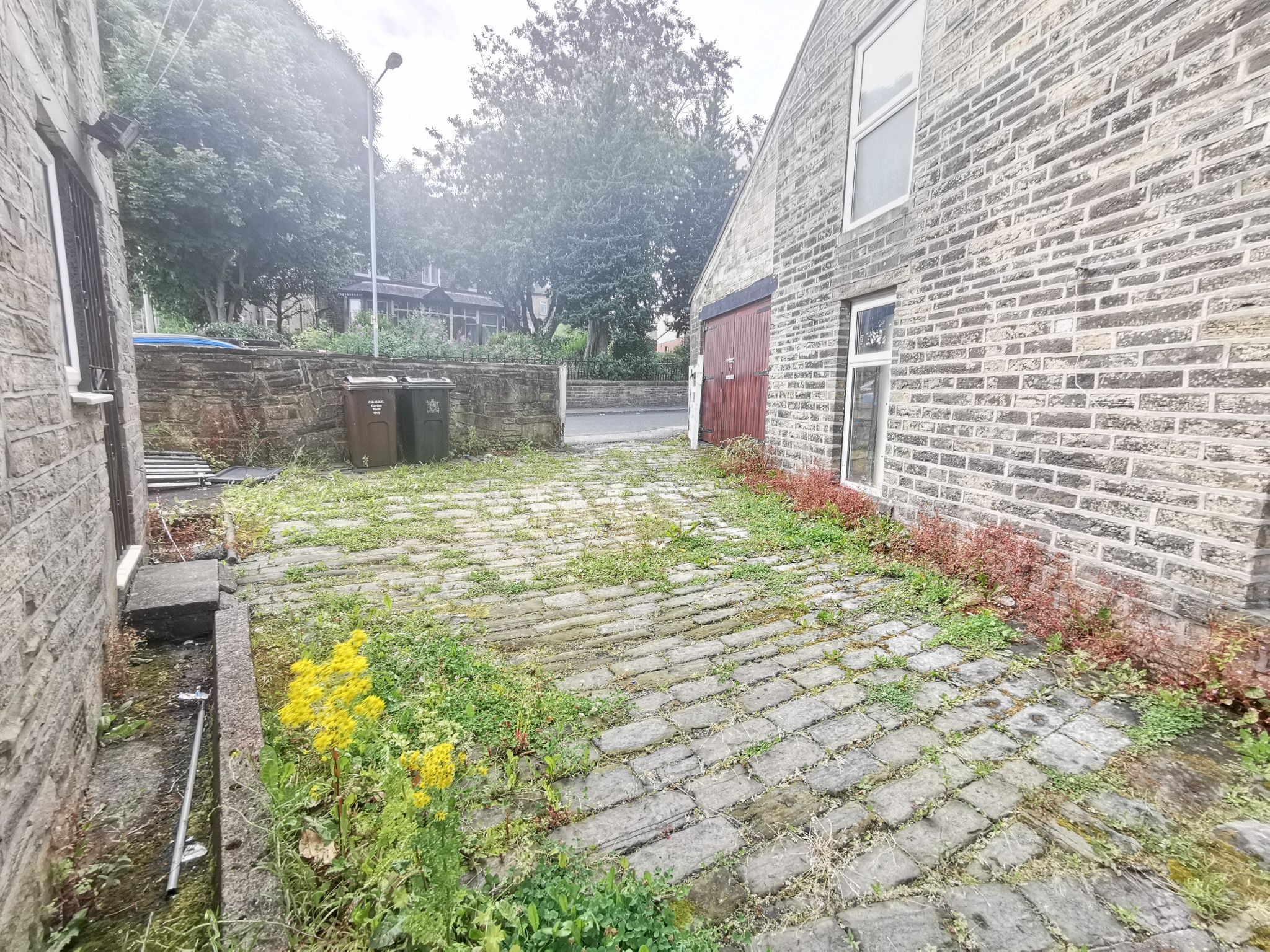 3 bedroom detached house For Sale in Bradford - Photograph 15.