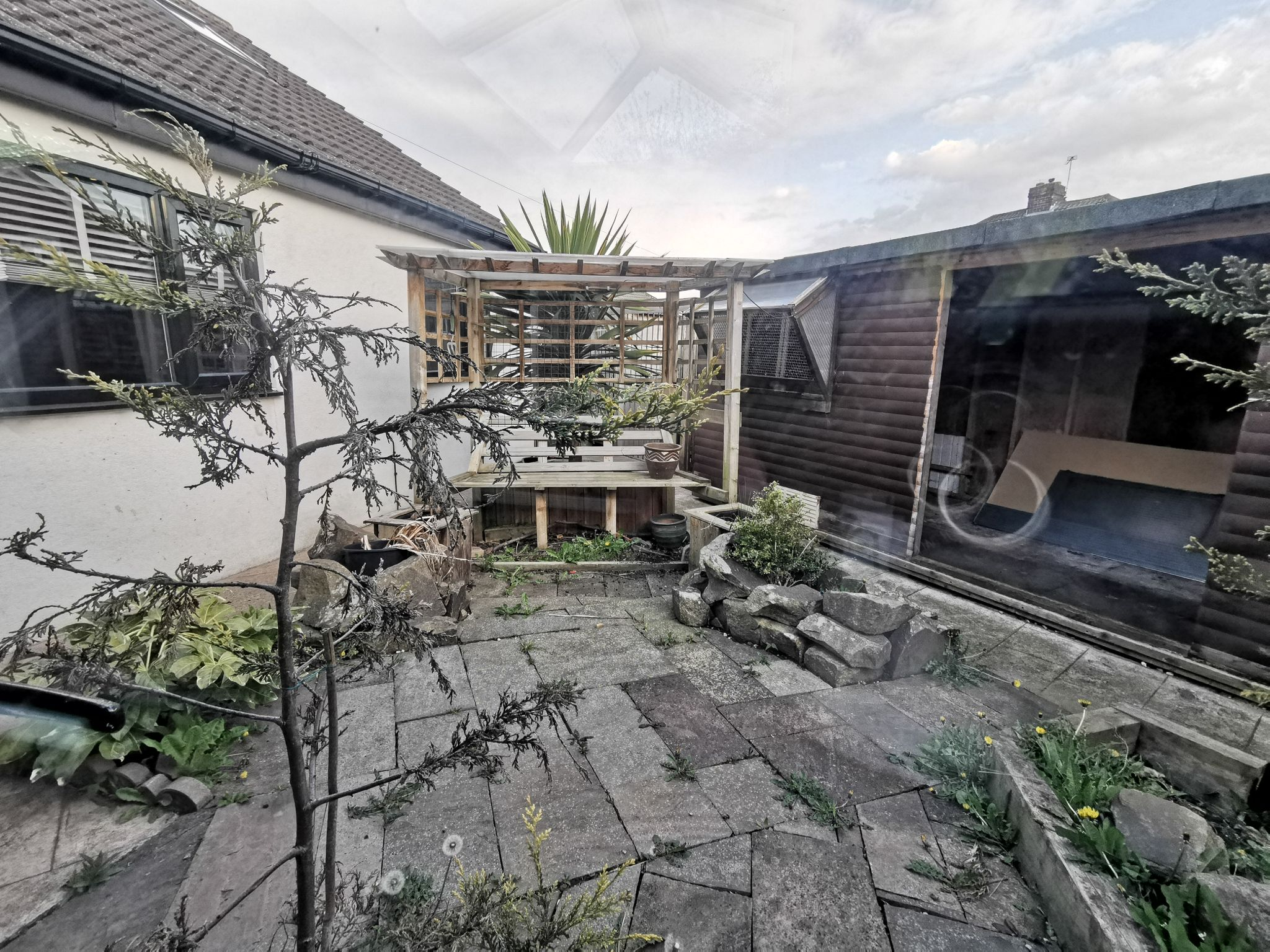 6 bedroom detached bungalow For Sale in Bradford - Photograph 37.