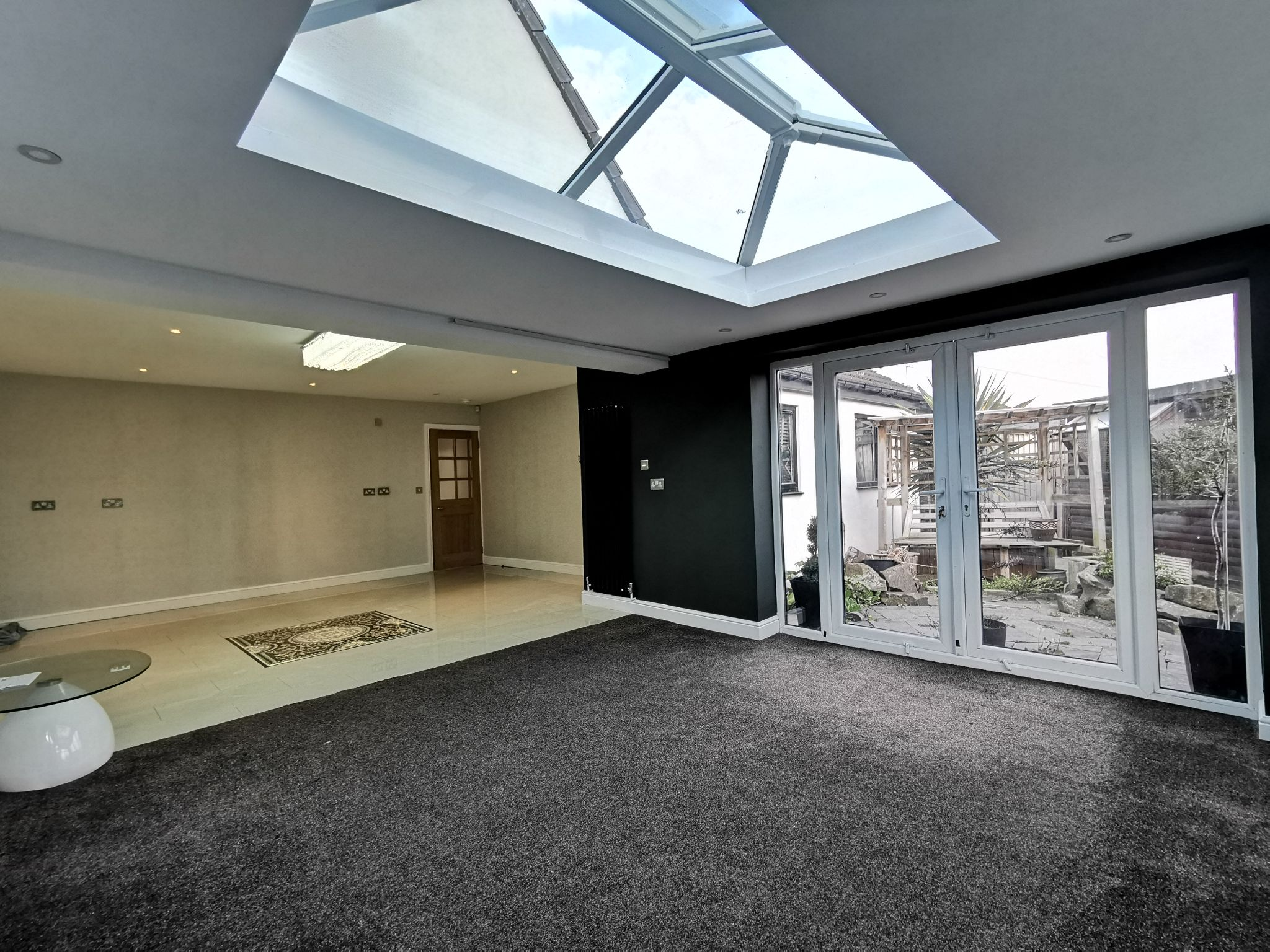 6 bedroom detached bungalow For Sale in Bradford - Photograph 9.