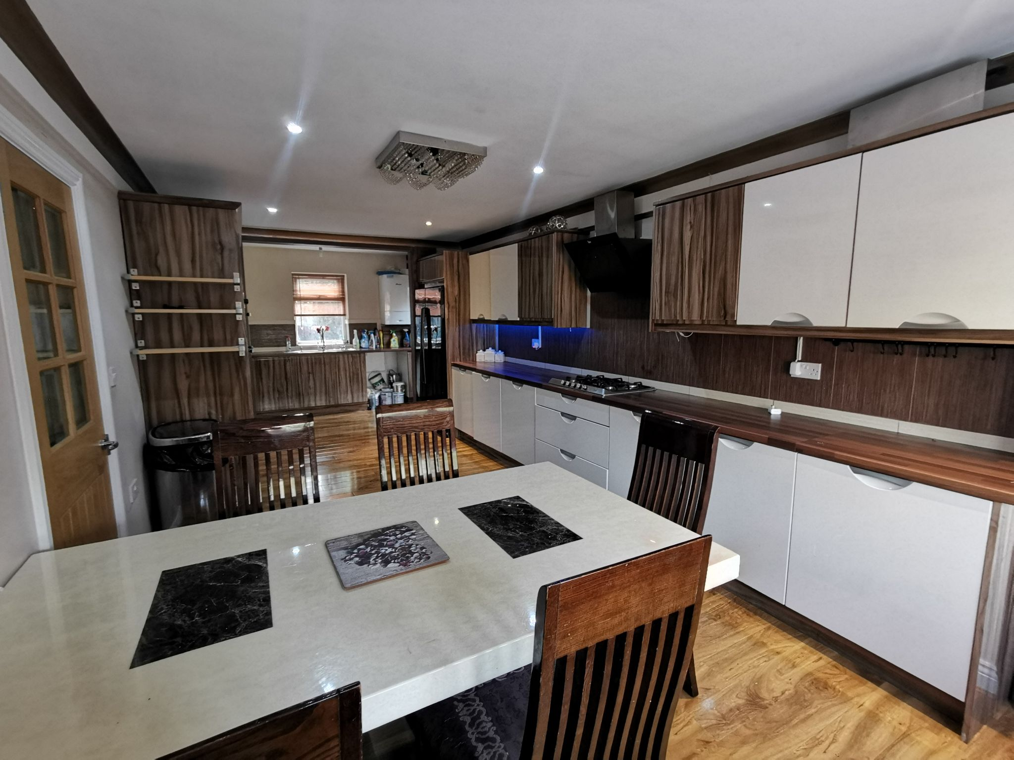 6 bedroom detached bungalow For Sale in Bradford - Photograph 5.