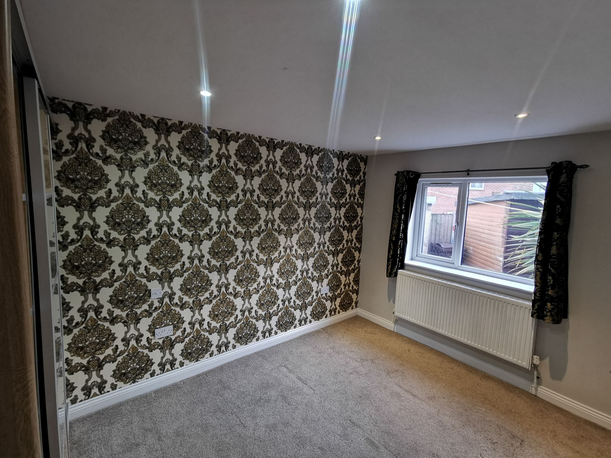 6 bedroom detached bungalow For Sale in Bradford - Photograph 13.