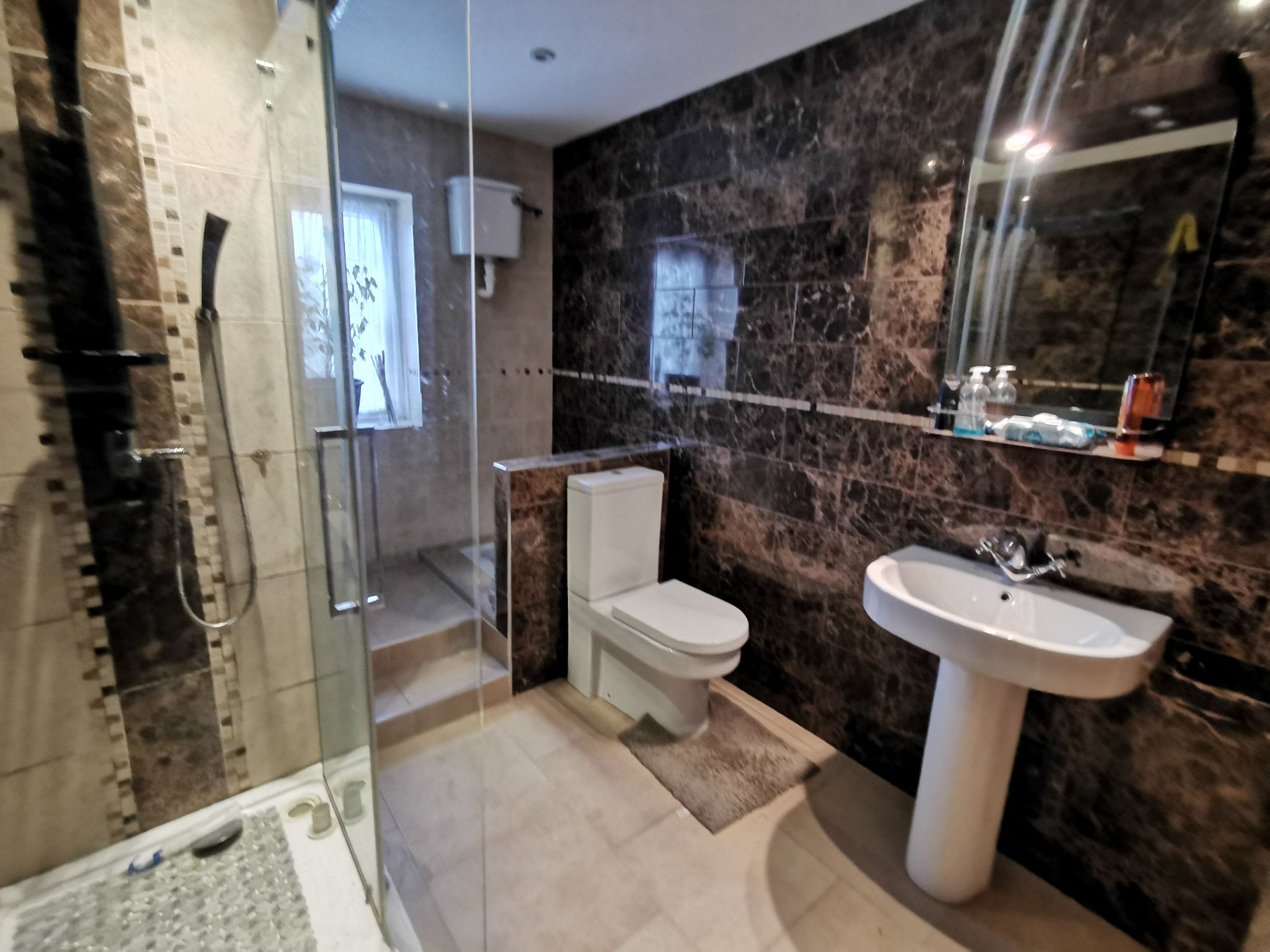 6 bedroom detached bungalow For Sale in Bradford - Photograph 16.