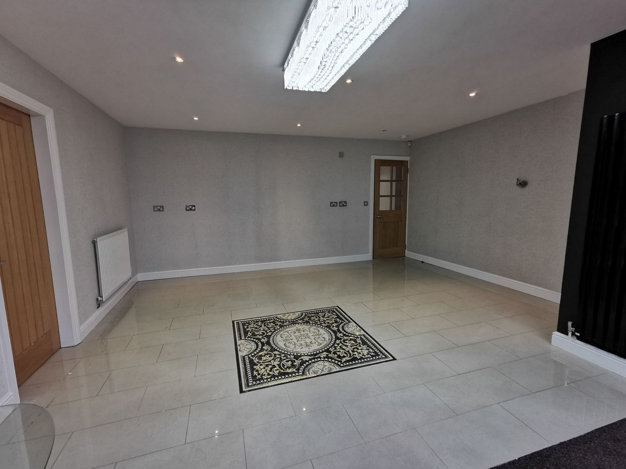 6 bedroom detached bungalow For Sale in Bradford - Photograph 17.