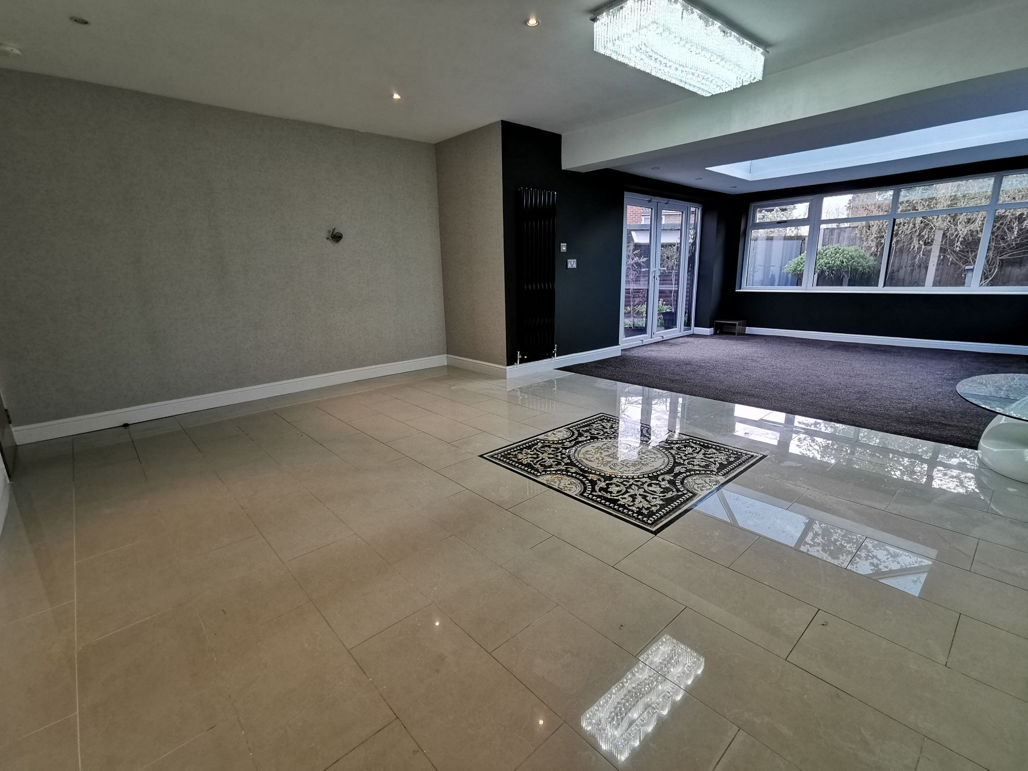 6 bedroom detached bungalow For Sale in Bradford - Photograph 3.