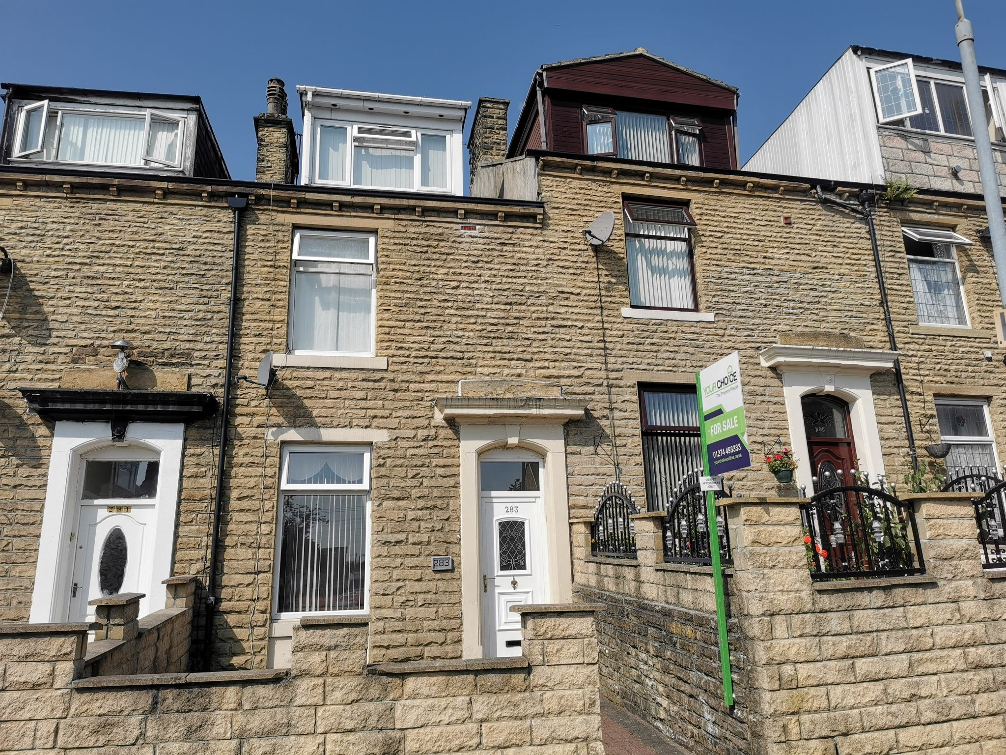 4 bedroom mid terraced house For Sale in Bradford - Photograph 3.
