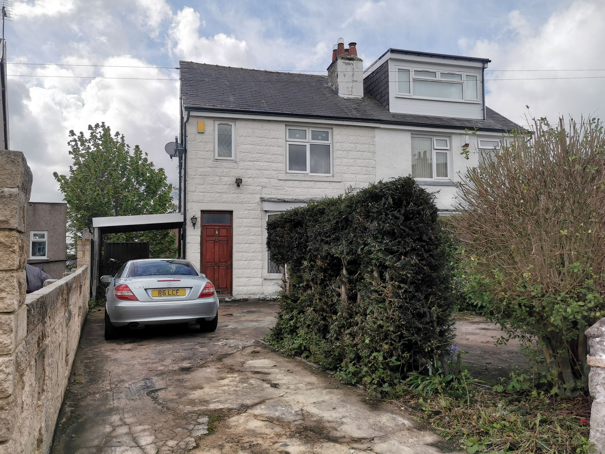 3 bedroom semi-detached house Let in Bradford - Photograph 1.