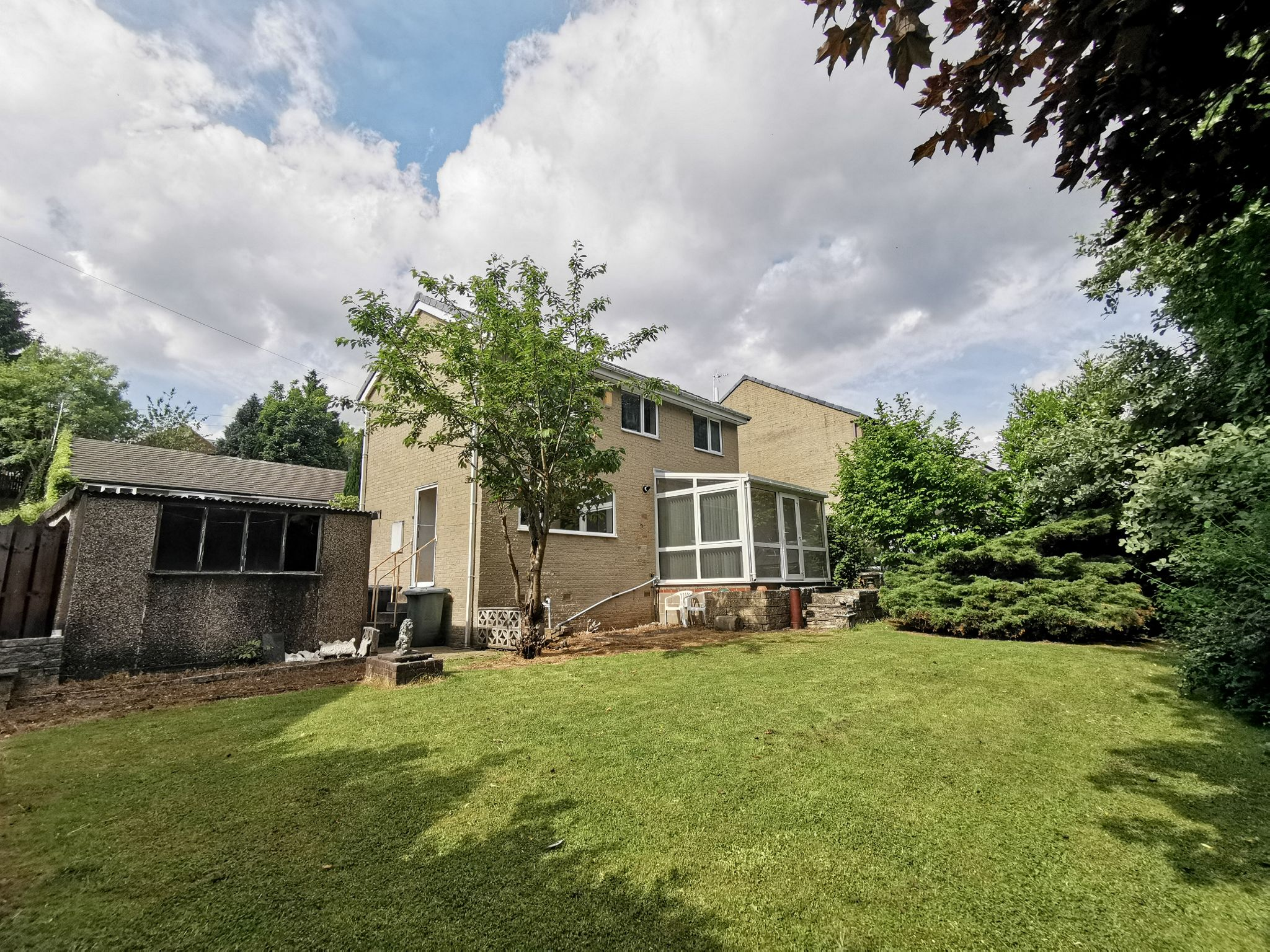 3 bedroom detached house Sold in Bradford - Photograph 19.