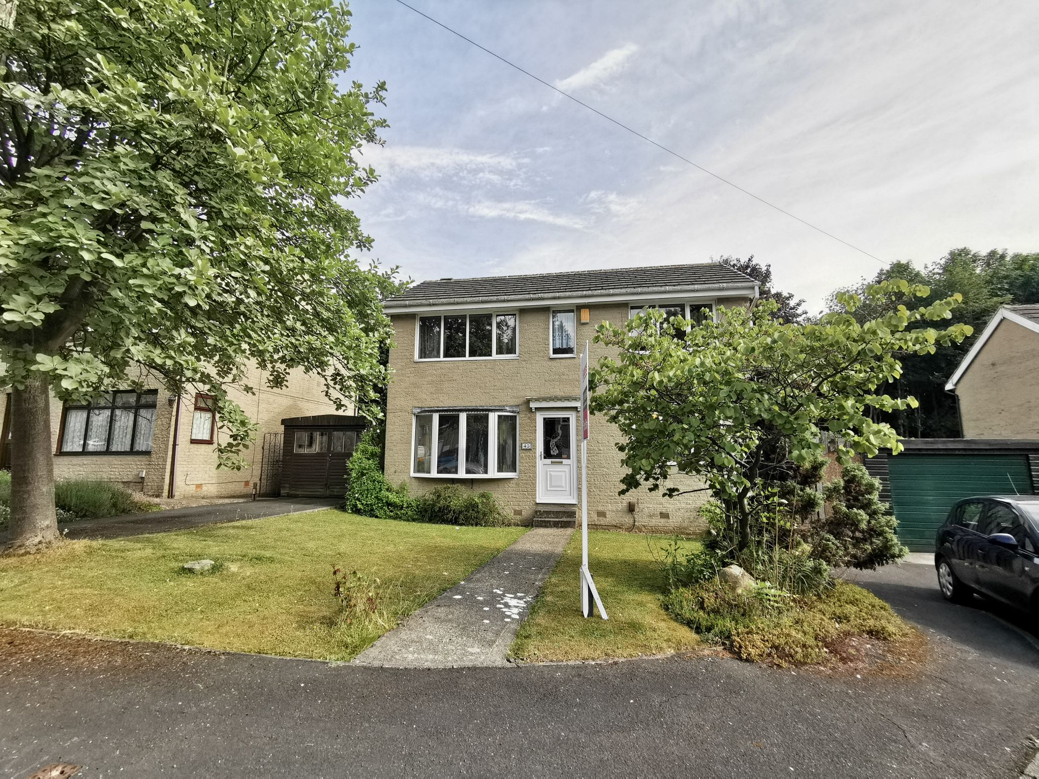 3 bedroom detached house Sold in Bradford - Photograph 16.