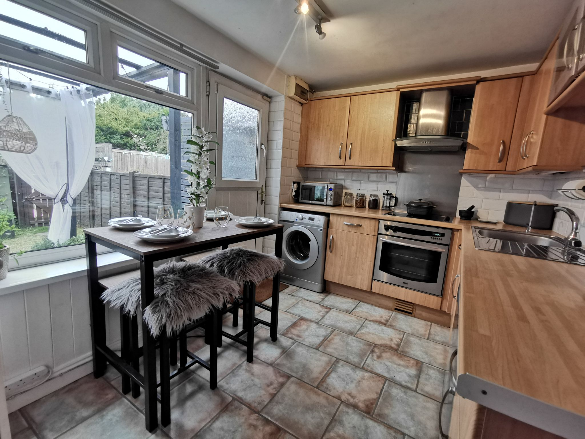 2 bedroom mid terraced house For Sale in Bradford - Property photograph.