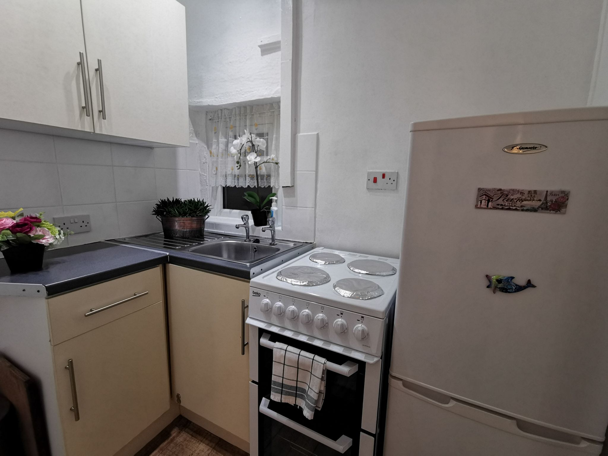 2 bedroom mid terraced house To Let in Bradford - Photograph 11.
