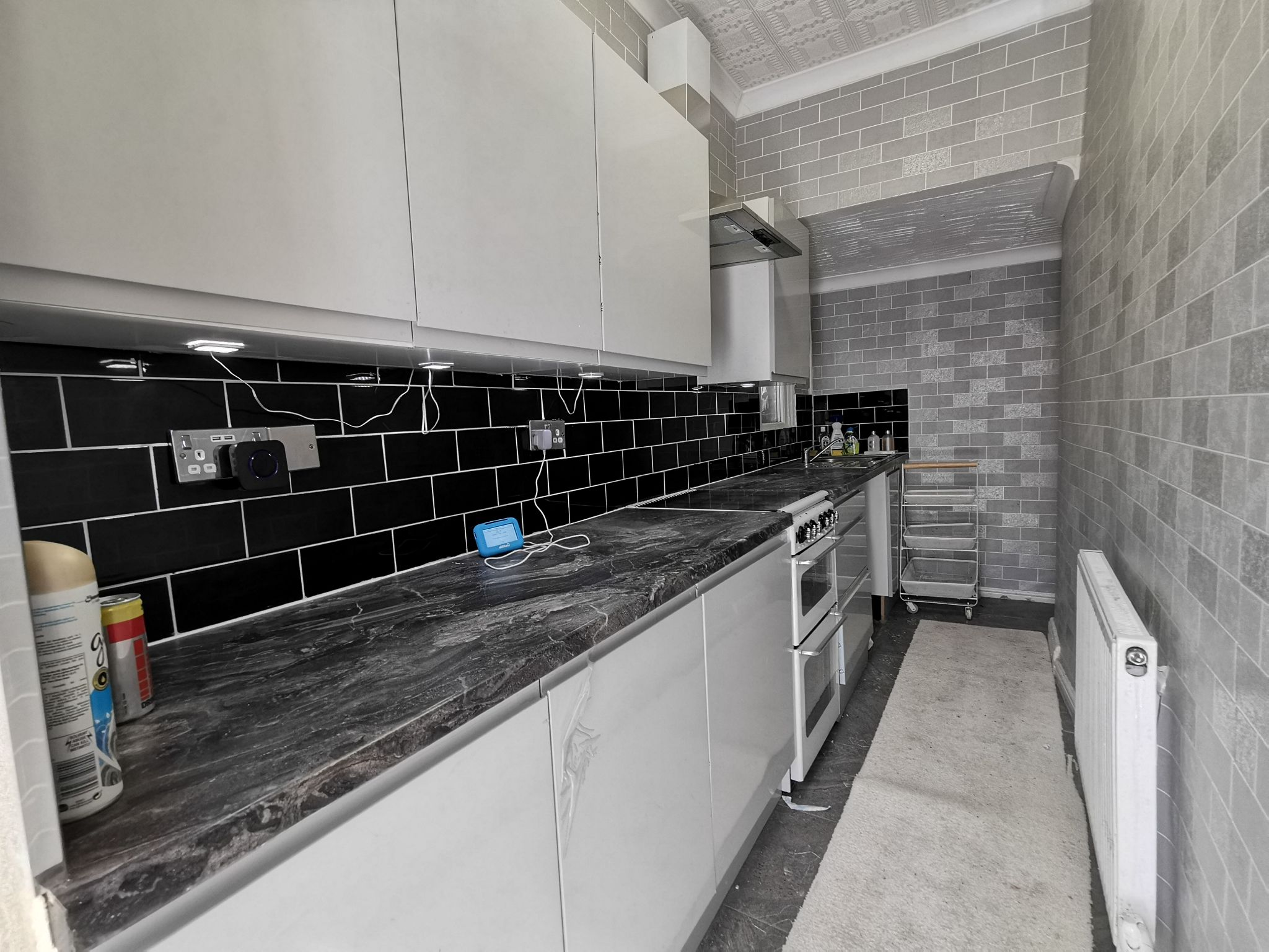 2 bedroom mid terraced house Let in Bradford - Photograph 16.