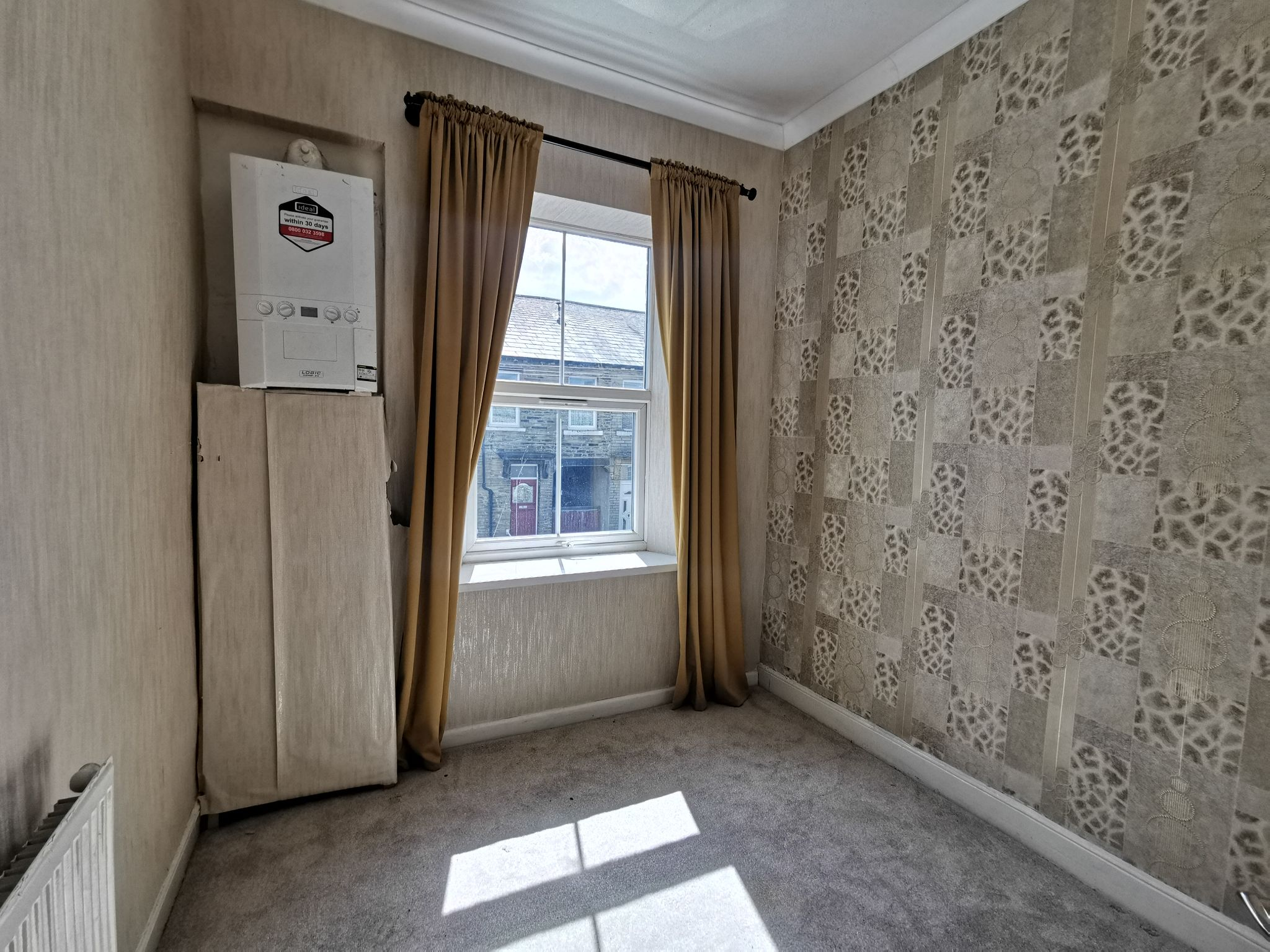 2 bedroom mid terraced house Let in Bradford - Photograph 11.