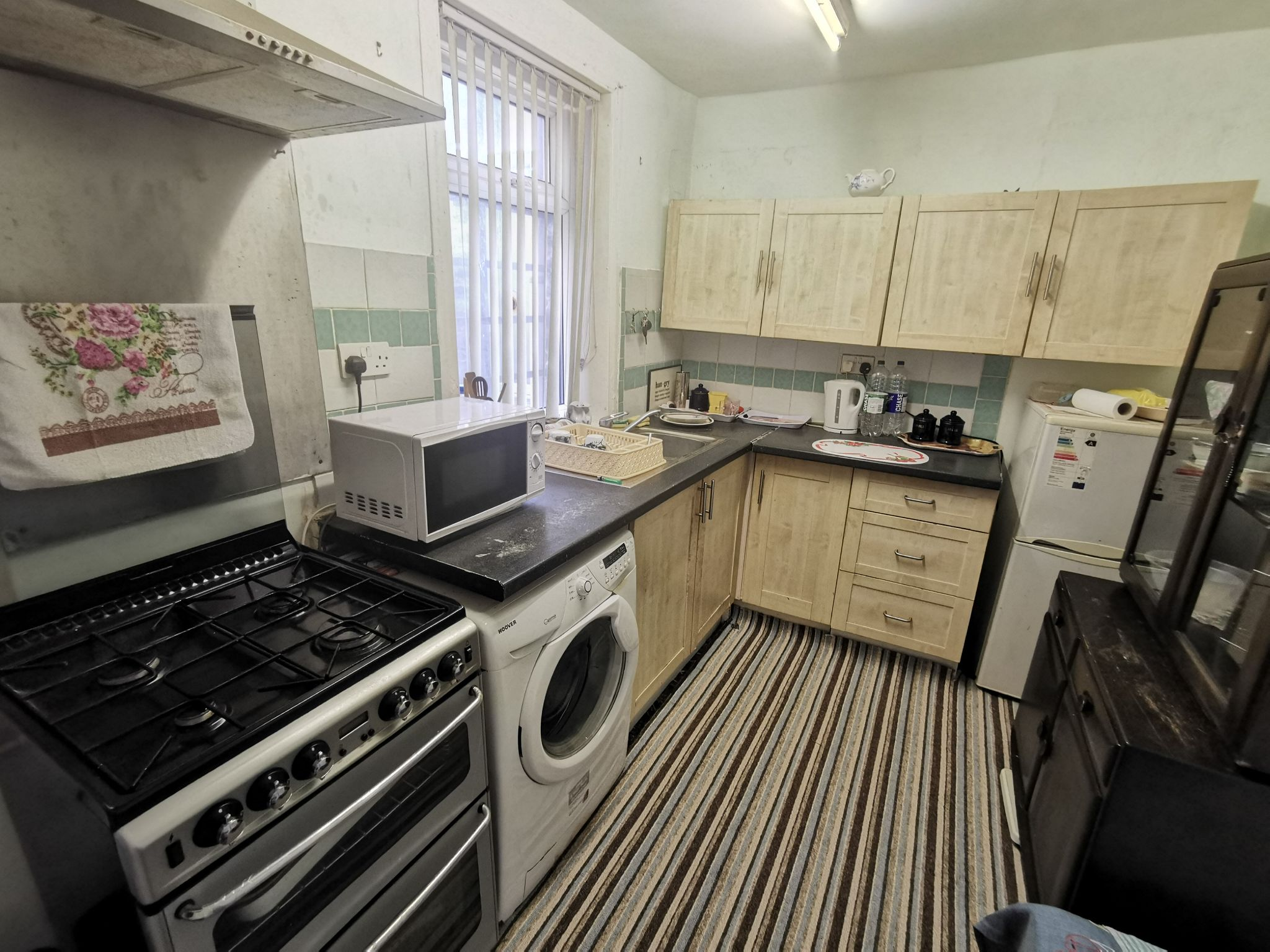 1 bedroom mid terraced house For Sale in Bradford - Photograph 3.