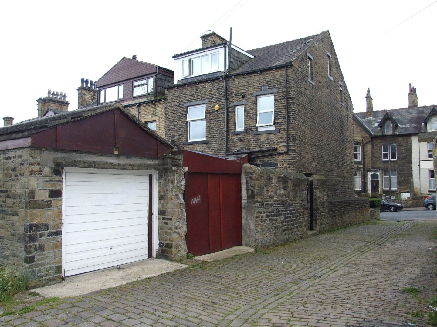 5 bedroom end terraced house Sale Agreed in Bradford - Photograph 19.