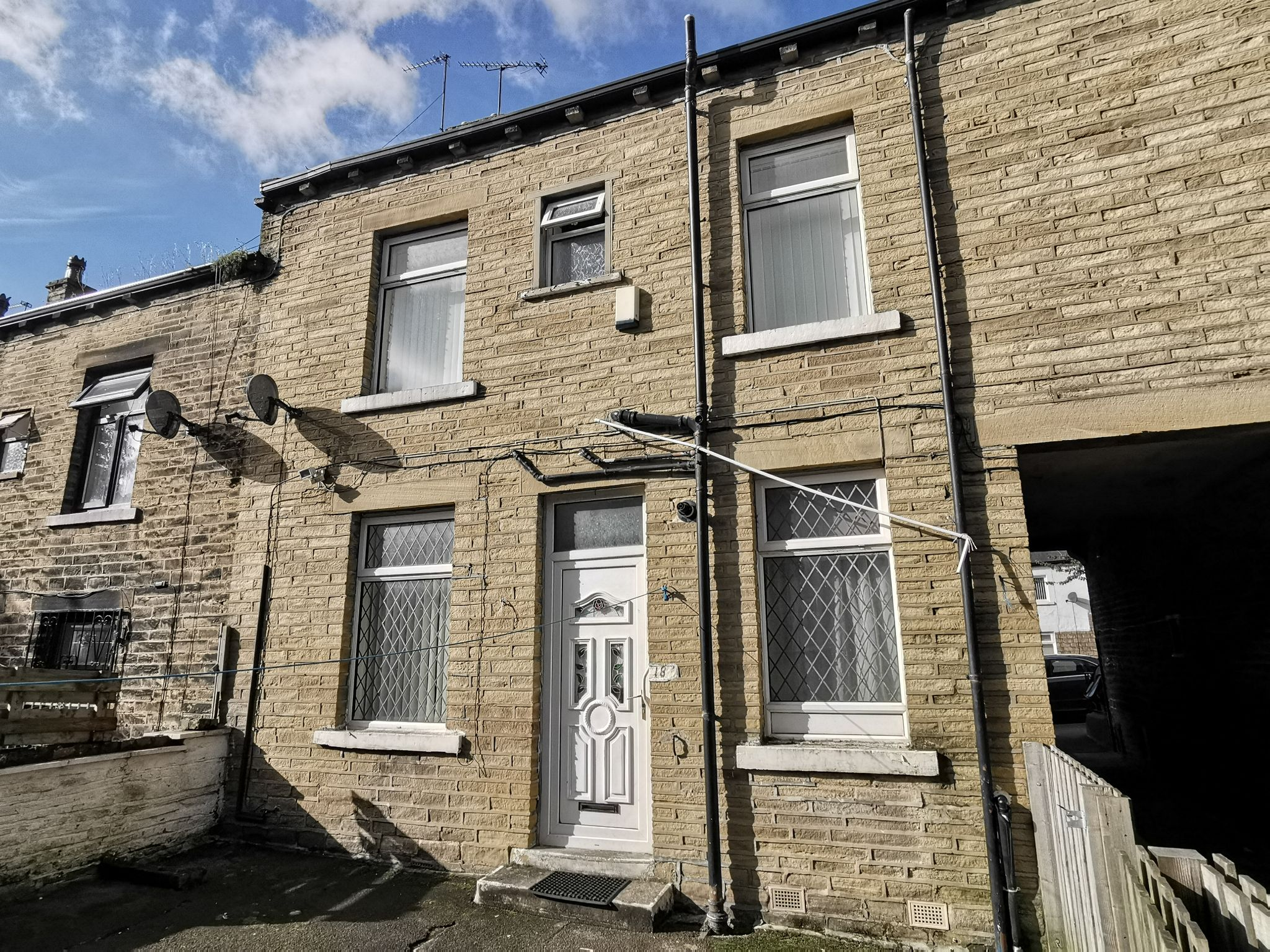 2 bedroom mid terraced house Sale Agreed in Bradford - Photograph 10.