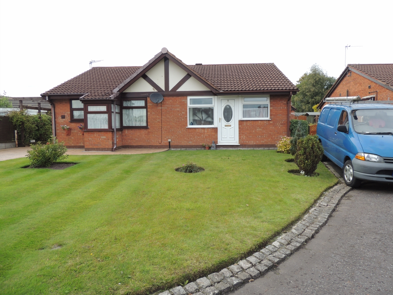 2 bedroom detached bungalow Let Agreed in Chorley - Property photograph