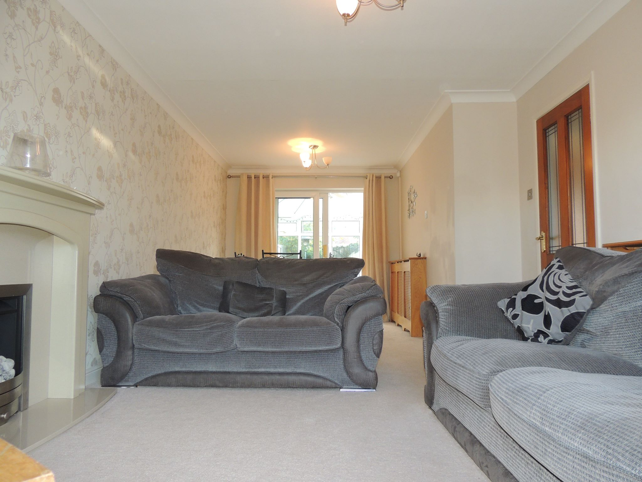 3 bedroom semi-detached house To Let in Chorley - Property photograph