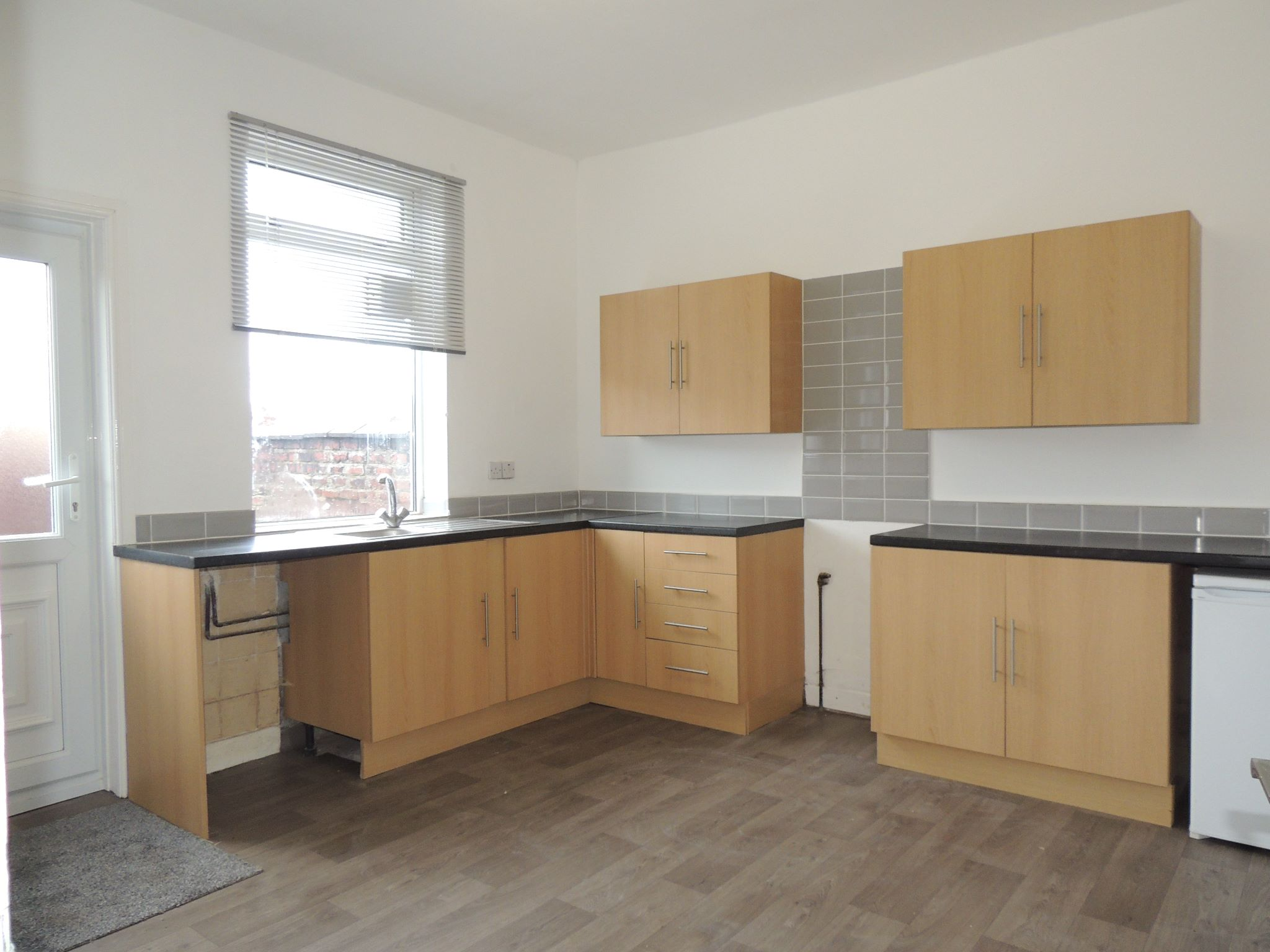 3 bedroom mid terraced house To Let in Chorley - Property photograph