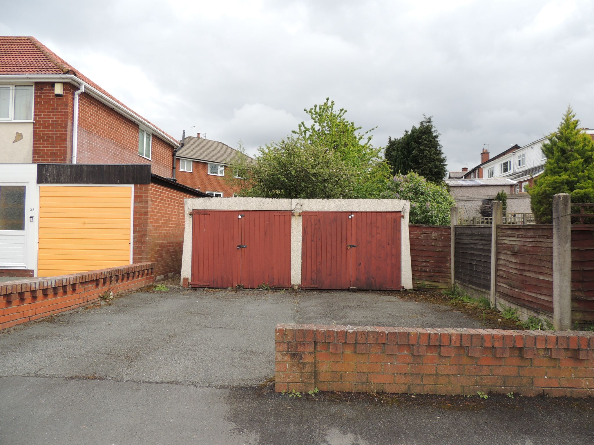 3 bedroom semi-detached bungalow To Let in Chorley - Property photograph