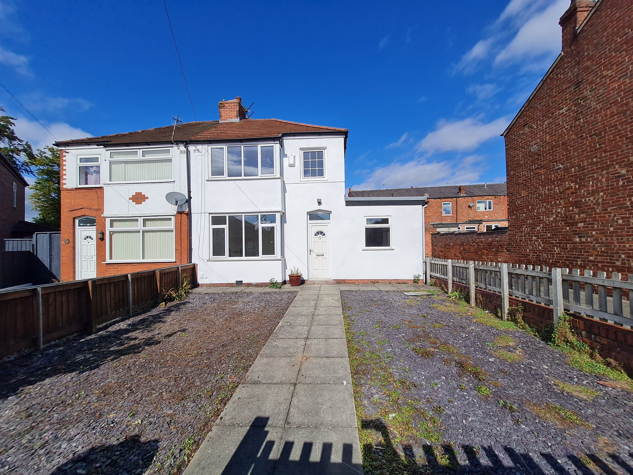 3 bedroom semi-detached house To Let in Leyland - Property photograph