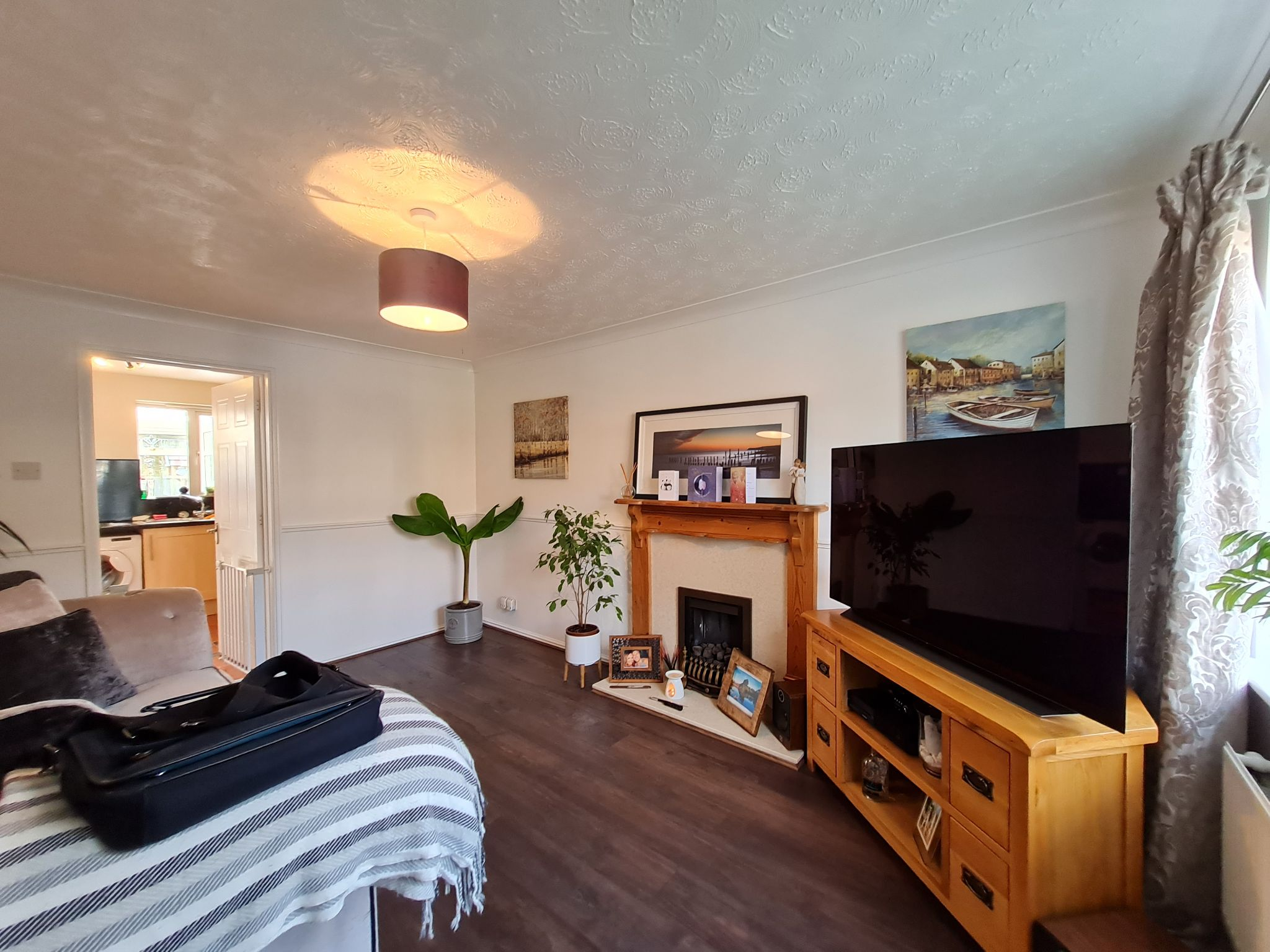 2 bedroom semi-detached house To Let in Leyland - Property photograph