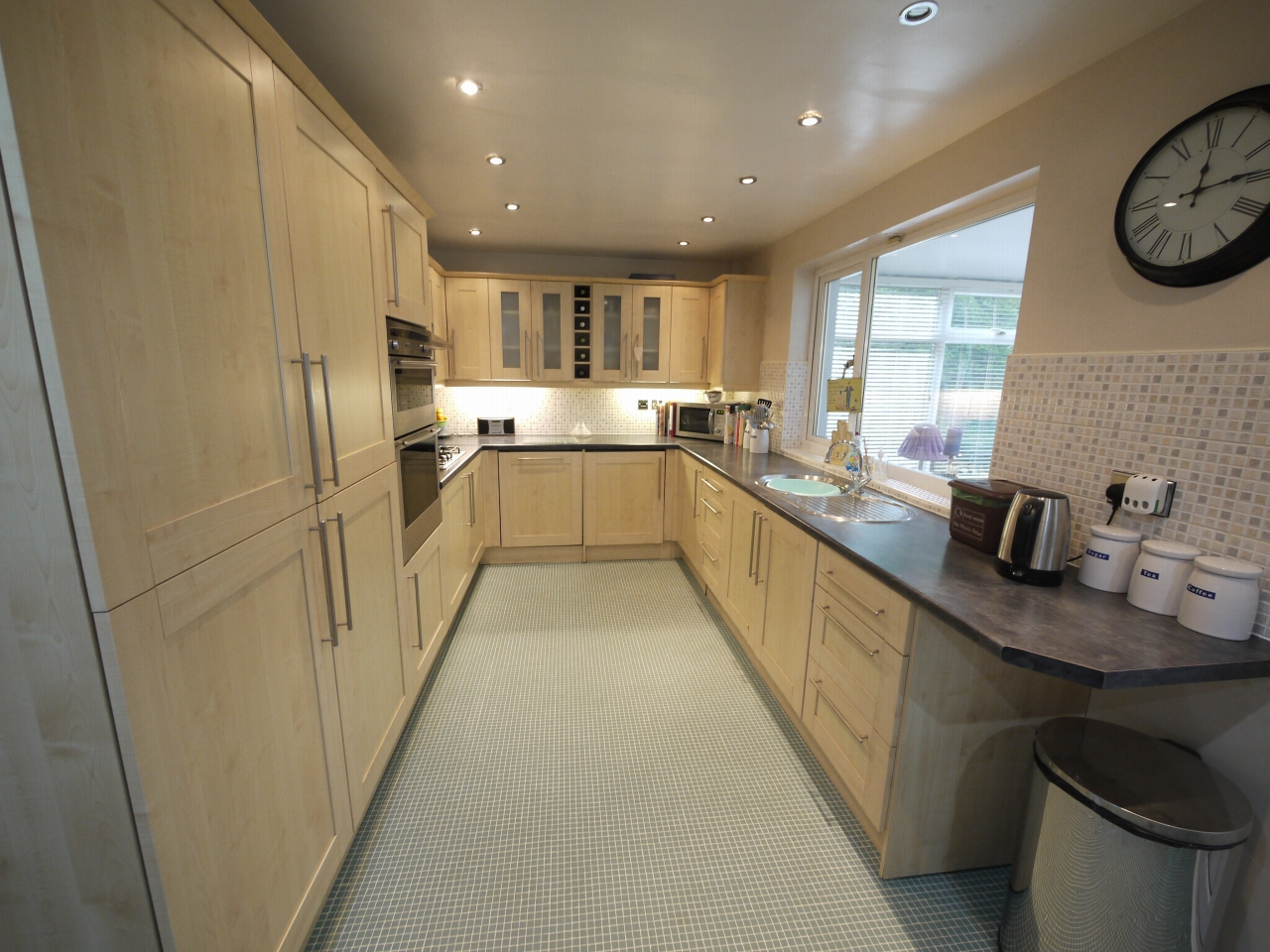4 bedroom detached house SSTC in Brighouse - Photograph 7.