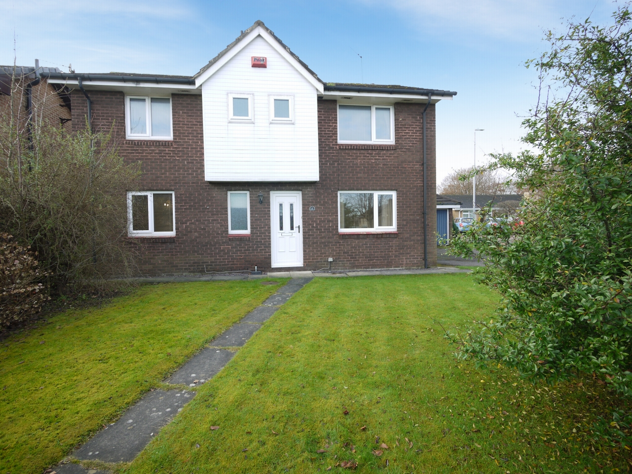 4 bedroom detached house For Sale in Brighouse - Photograph 19.