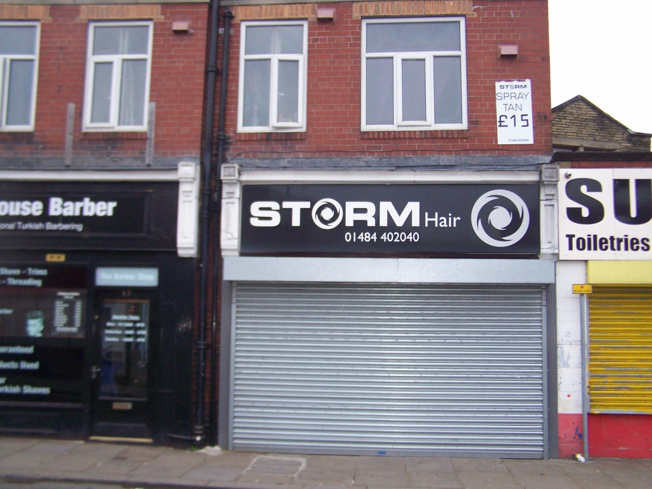 Retail Let in Brighouse - Photograph 1.