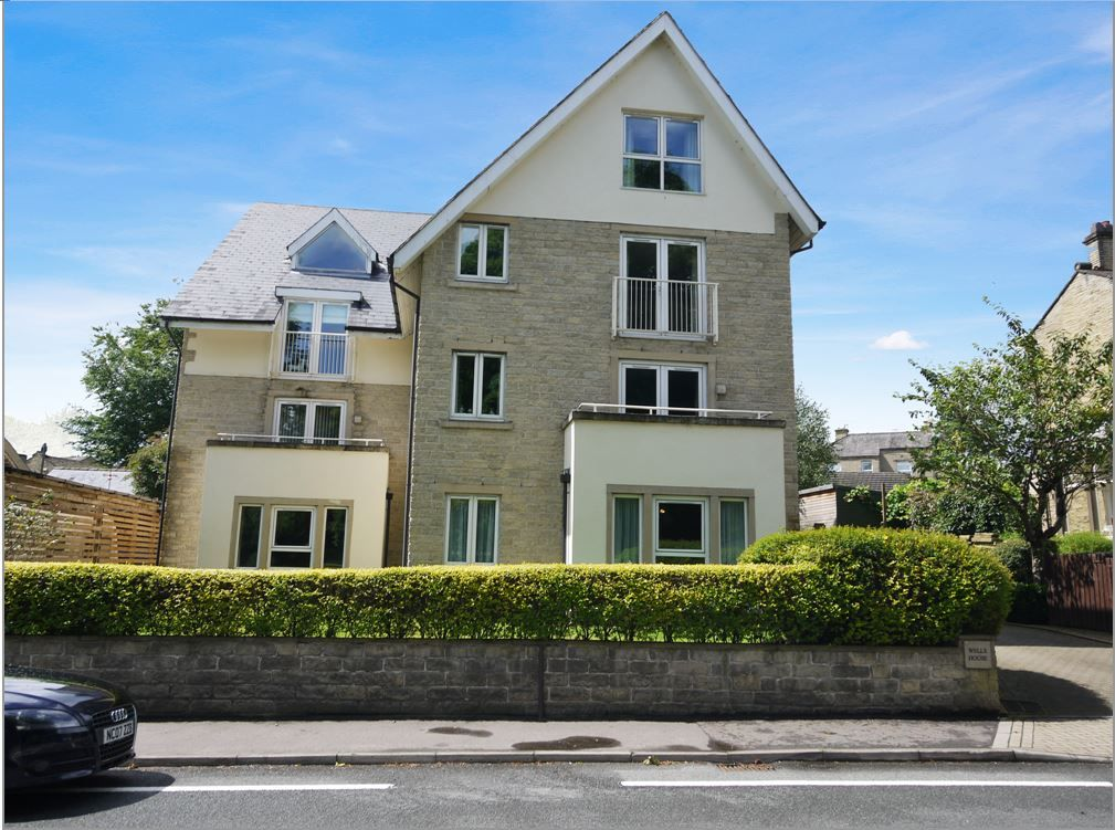 2 bedroom apartment flat/apartment SSTC in Brighouse - Main Shot.