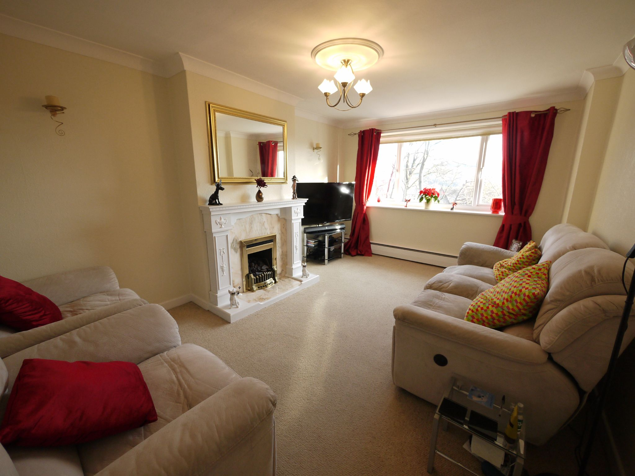 4 bedroom semi-detached house SSTC in Brighouse - Lounge.