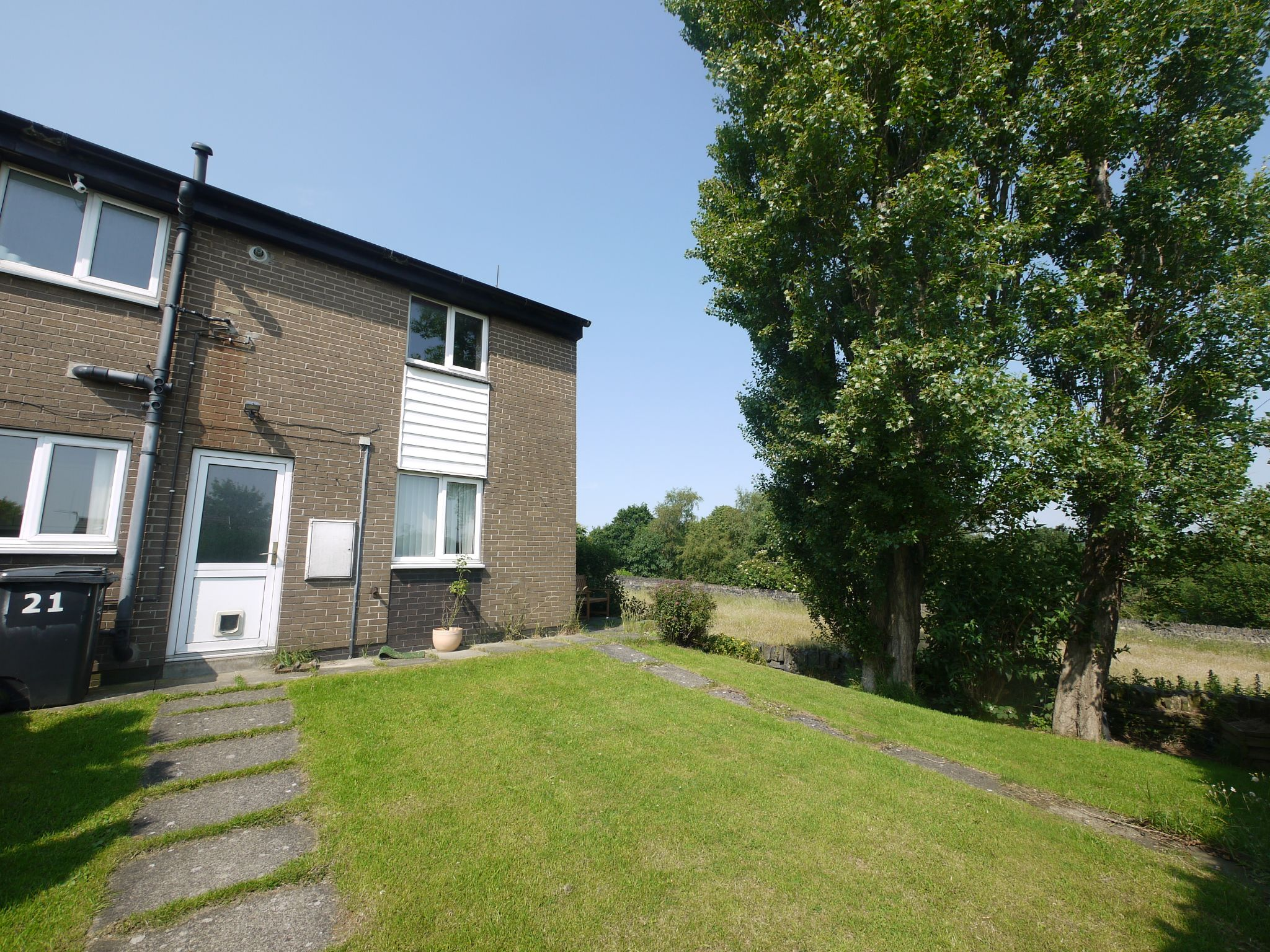3 bedroom semi-detached house For Sale in Brighouse - Main.