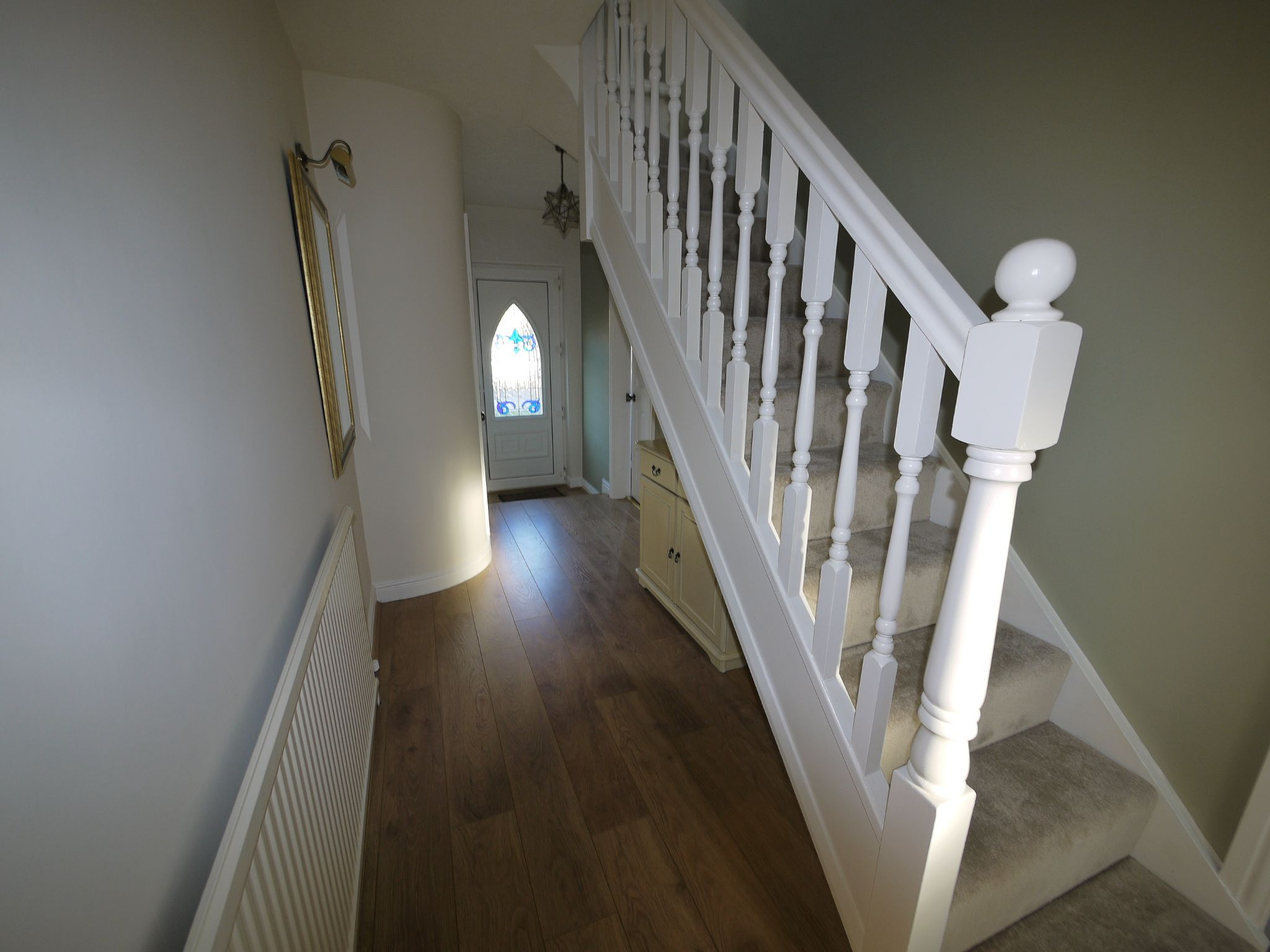 5 bedroom detached bungalow For Sale in Brighouse - hallway.