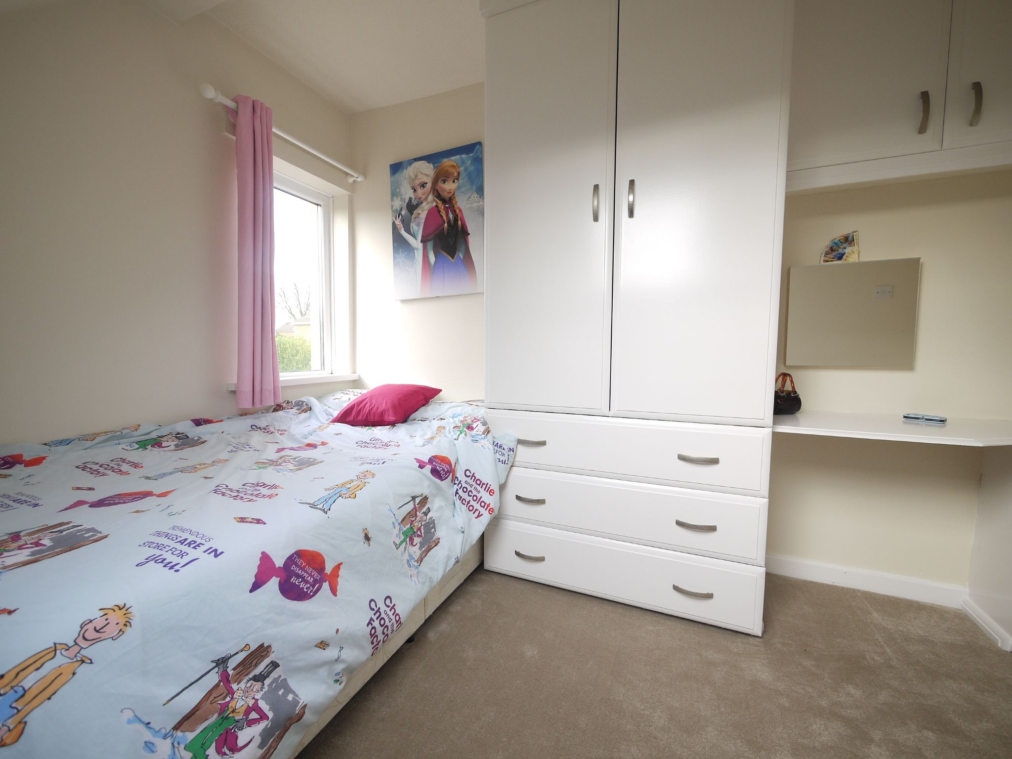 5 bedroom detached bungalow For Sale in Brighouse - bed 3.