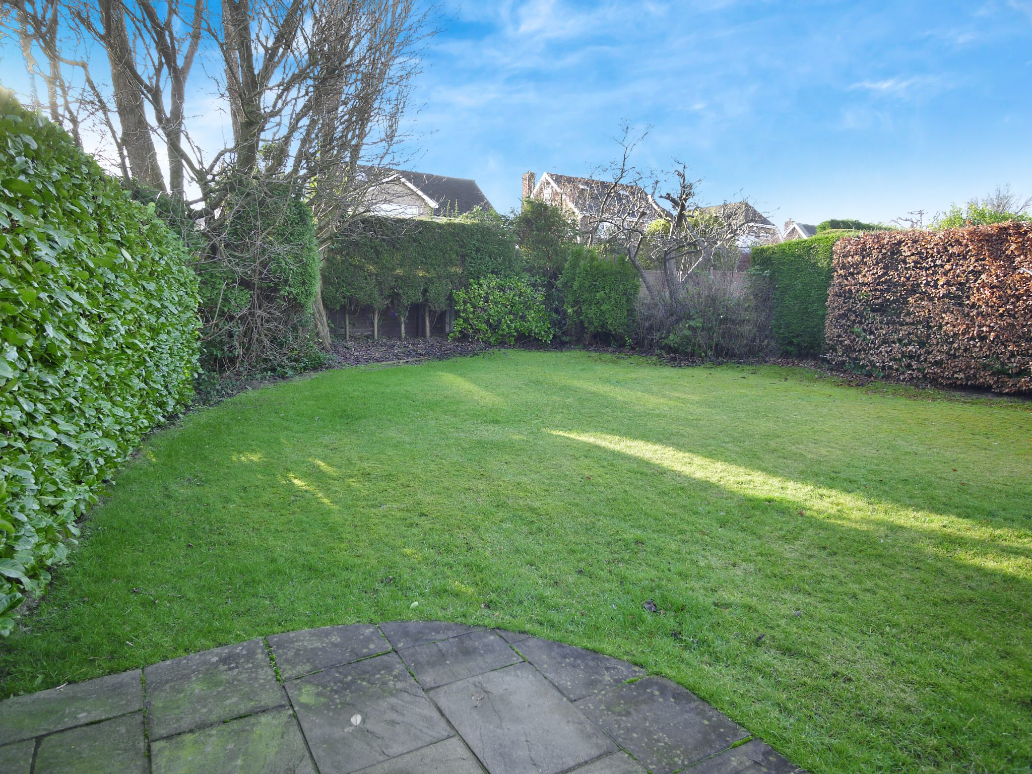5 bedroom detached bungalow For Sale in Brighouse - garden.