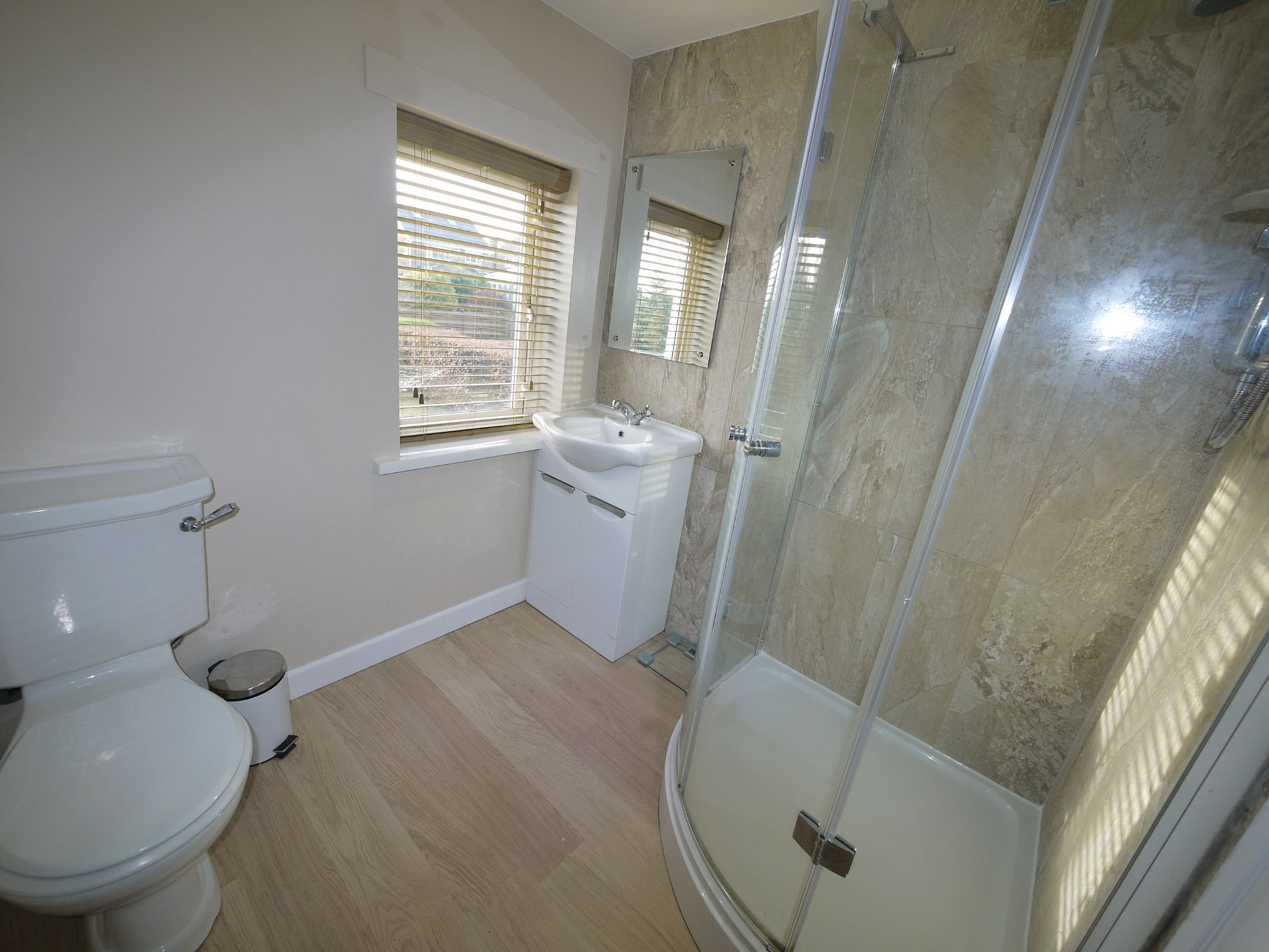 5 bedroom detached bungalow For Sale in Brighouse - ensuite.