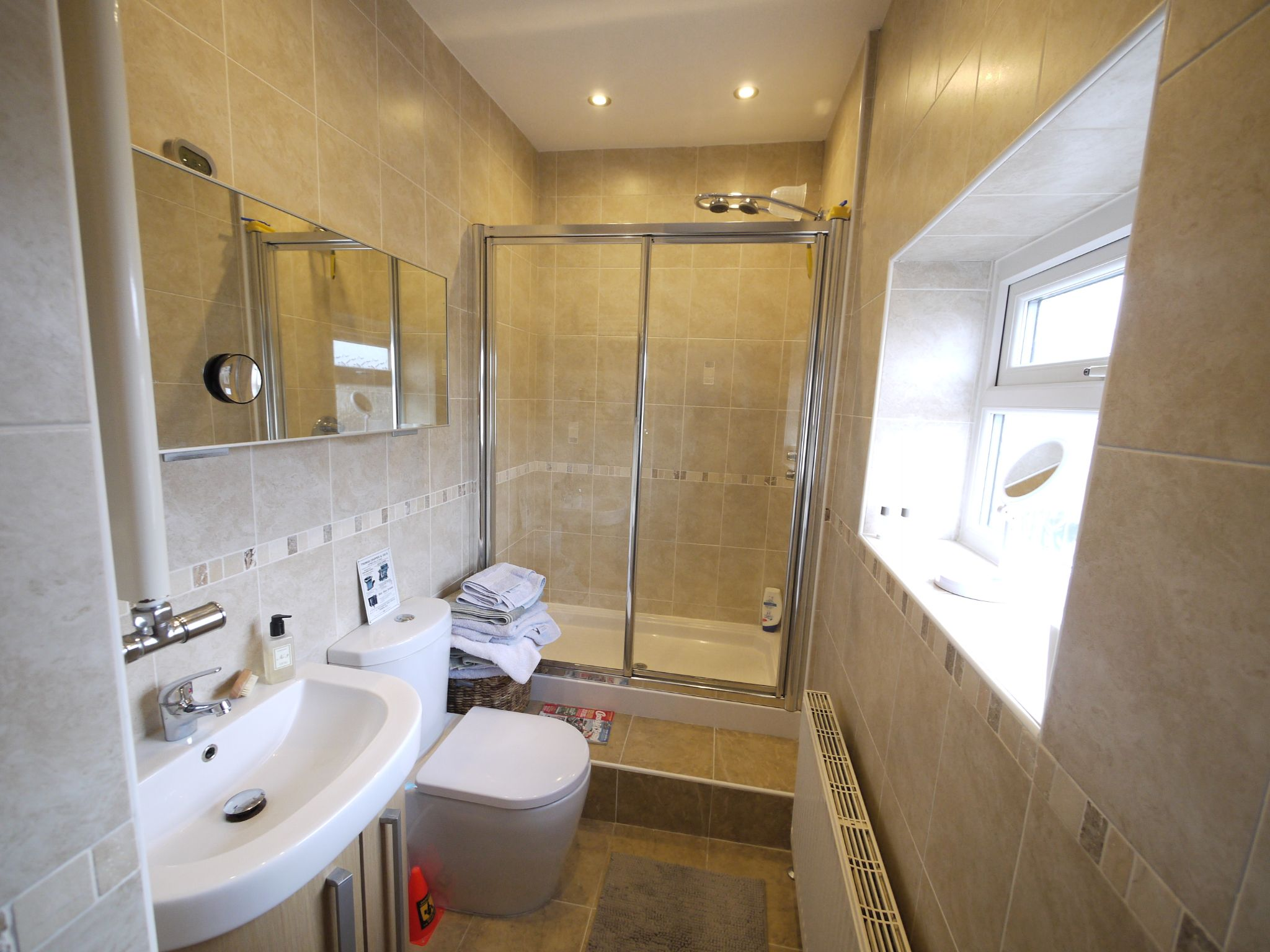 1 bedroom detached house For Sale in Brighouse - Photograph 3.